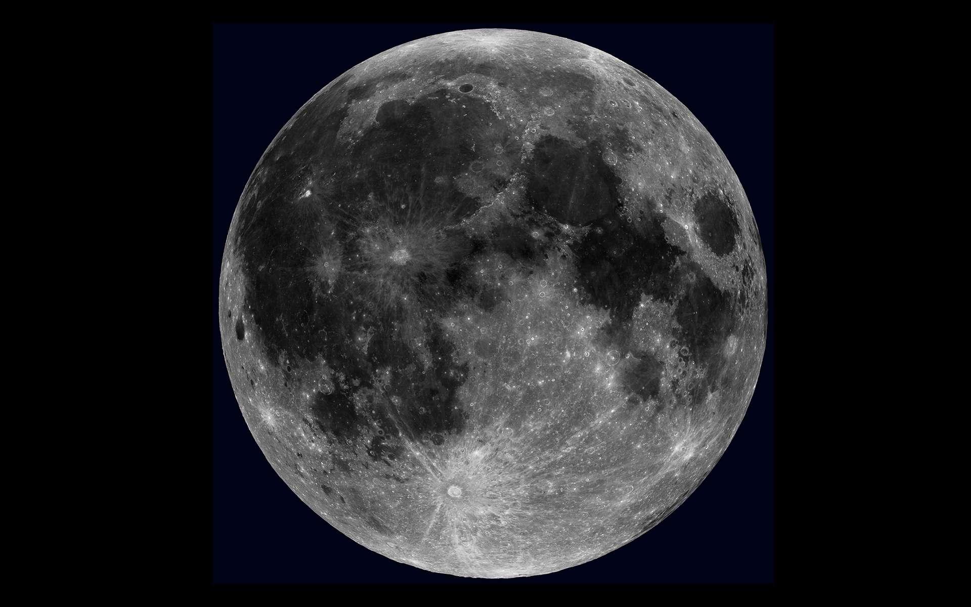 Vue globale de la Lune créée à partir des images prises par la sonde LRO. © Nasa, GSFC, Arizona State University