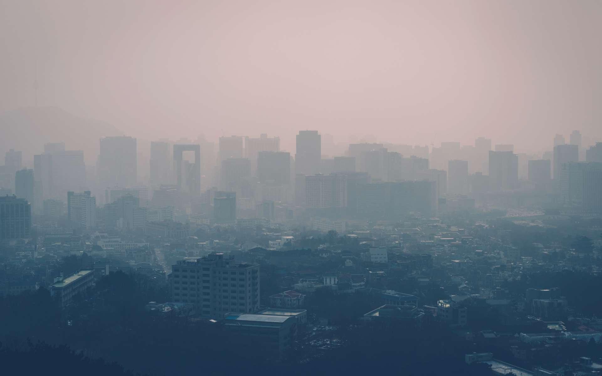 Avec la hausse des températures et la pollution atmosphérique, les villes vont devenir étouffantes. © ttlsc, Adobe Stock