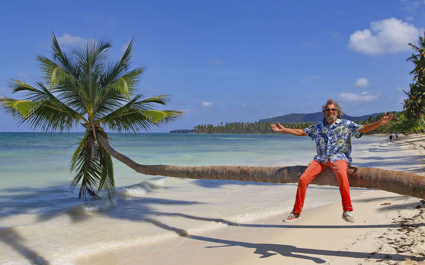 La République dominicaine a tant à offrir, loin du tourisme de masse : une telle biodiversité dans un si petit pays ! En s'éloignant des sentiers battus, c'est une nature vierge à portée de main. La playa La Playita, à l'extrême pointe de la péninsule de la baie de Samaná, reste peu fréquentée. Elle est située à 15 minutes de marche du petit village de pêcheurs, Las Galeras, dont l'authenticité a été préservée. Ici, pas d'hôtels « All inclusive » mais déguster une langouste ou les spécialités locales grillées sur un feu de bois, les pieds dans l'eau, n'est-il pas le seul et vrai luxe ? Ici, Antoine en République dominicaine. © Antoine, tous droits réservés