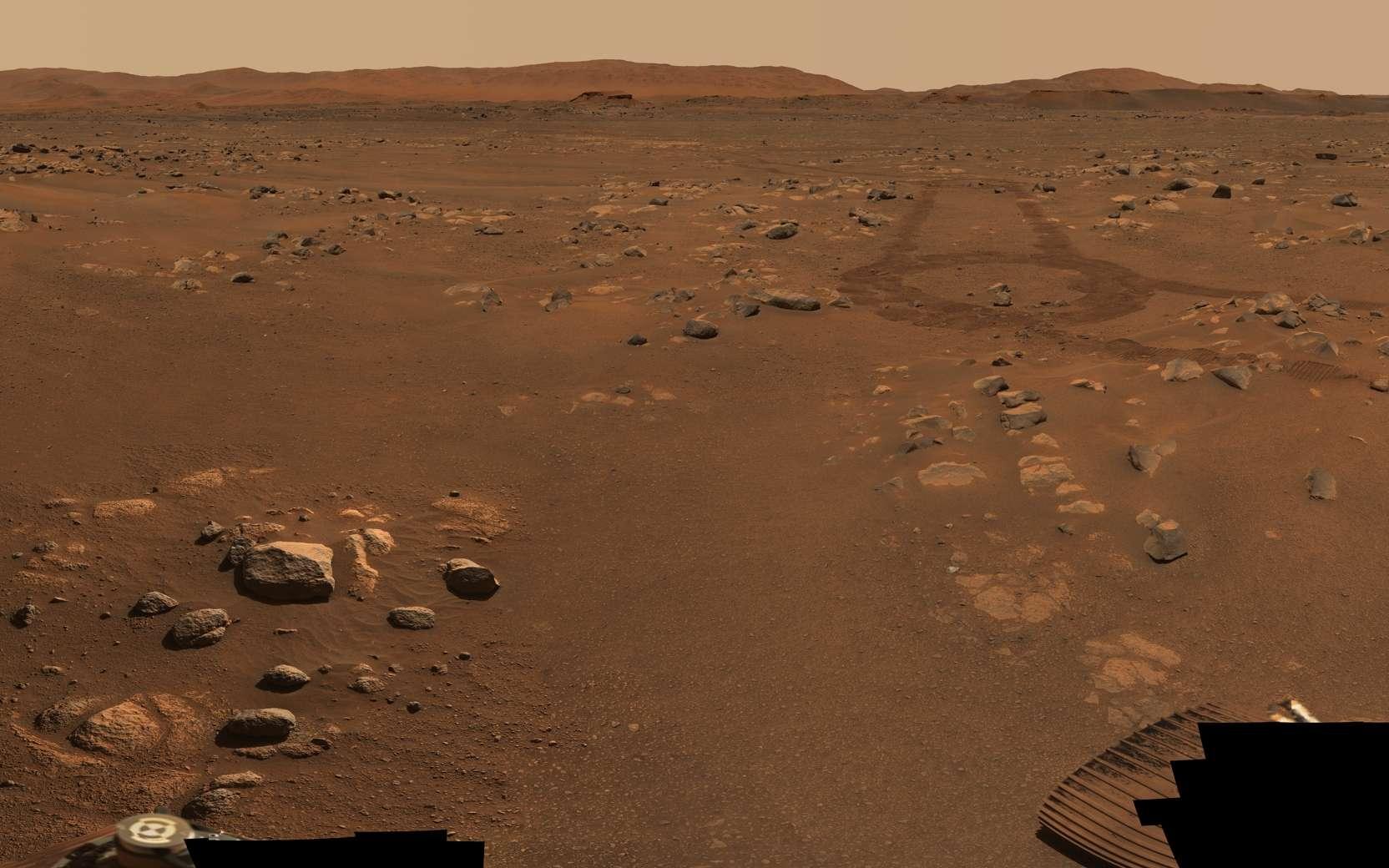 Extrait du magnifique panorama à 360° nommé « Van Zyl Overlook » capturé par Perseverance entre le 15 et le 26 avril 2021. Il est composé de 992 photos individuelles prises par l'œil droit de la Mastcam-Z. © Nasa, JPL-Caltech, ASU, MSSS