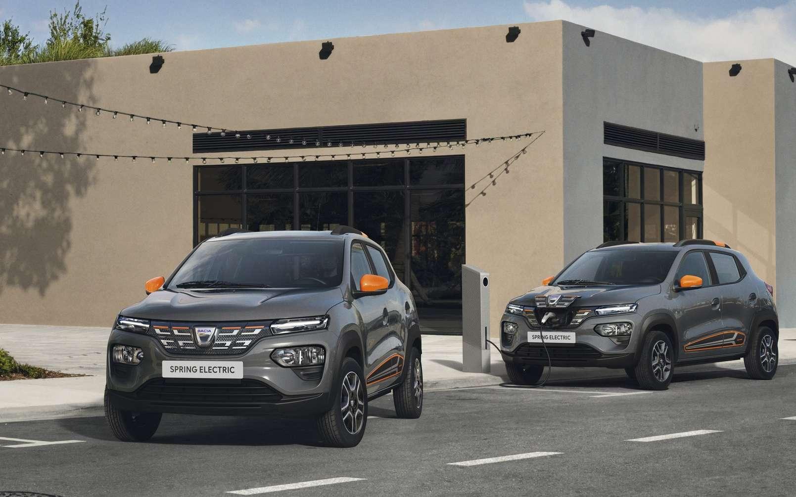 La Dacia Spring peut accueillir quatre adultes. © Renault