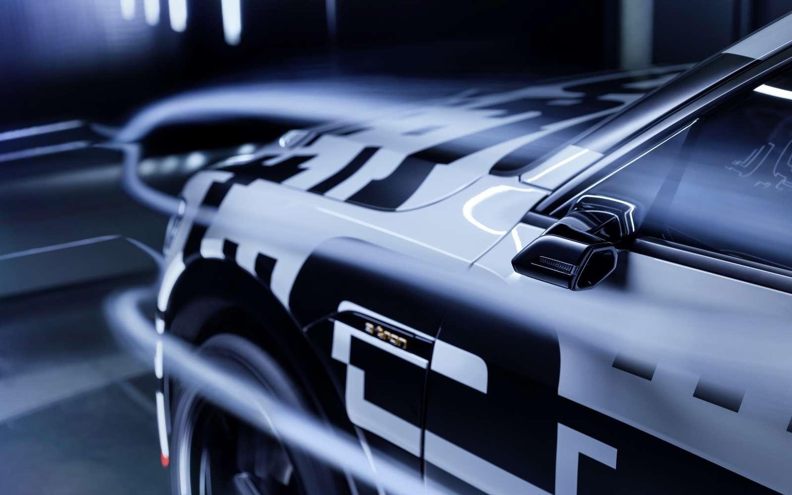 L'Audi e-tron affiche un coefficient de traînée extrêmement faible grâce notamment au remplacement des rétroviseurs par des caméras. © Audi
