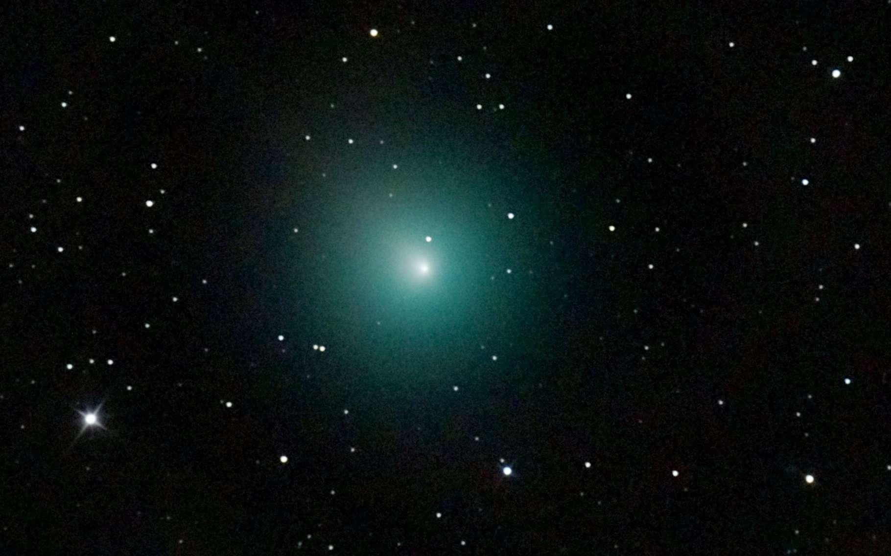 La comète 46P/Wirtanen est une petite comète dont la période orbitale est de 5,4 ans. Elle a été découverte en 1948 et fin 2018, elle a été secouée par une explosion qui a pu être observée dans le détail grâce au satellite de la Nasa Tess. © Nicolas Biver, Observatoire de Paris, PSL, Lesia