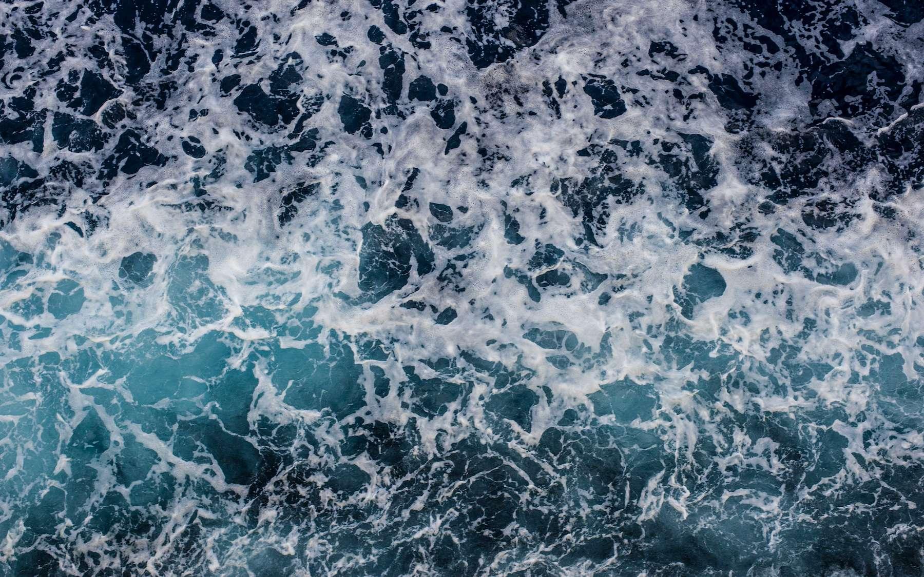 L'eau de mer contient d'énormes quantités de lithium, mais en faible concentration. © Dvorakova Veronika, Adobe Stock