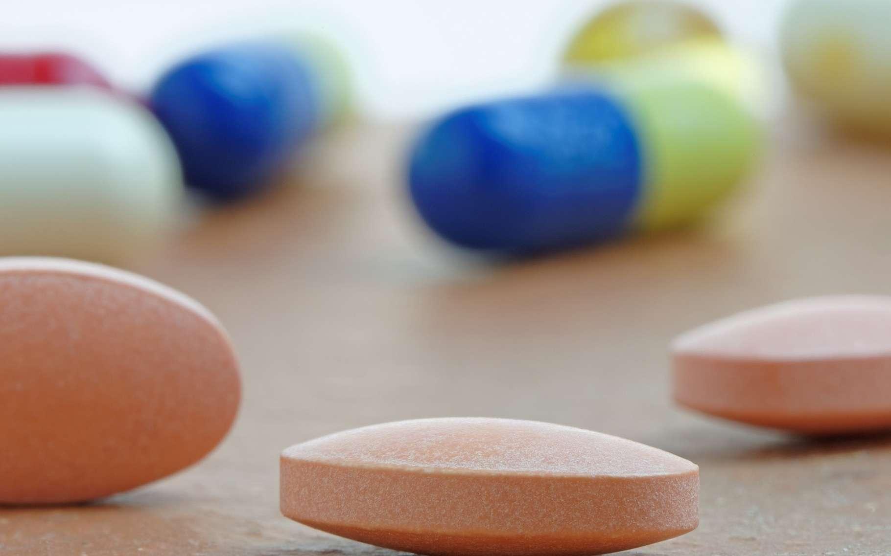 Les statines sont des médicaments anti-cholestérol proposés si les mesures sur l'hygiène de vie sont inefficaces. © roger ashford, Shutterstock