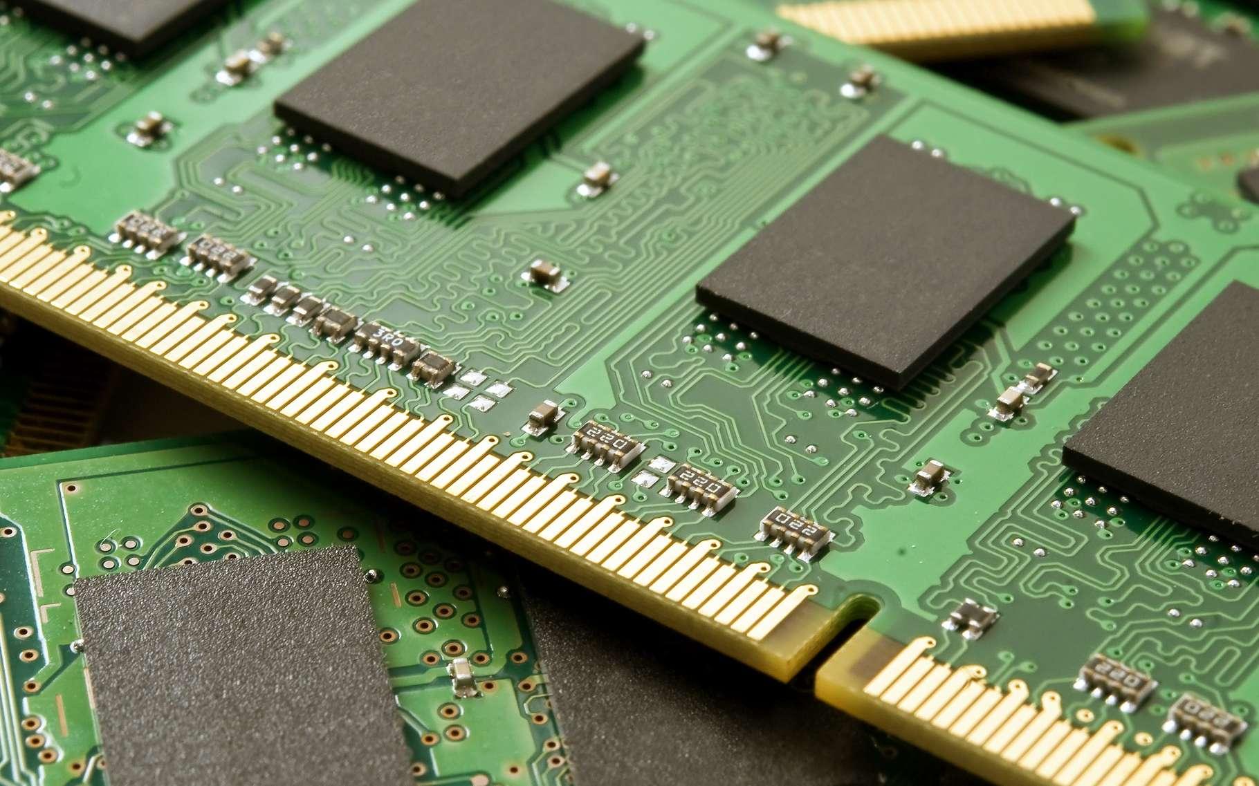 L'évolution de la mémoire vive dynamique a accompagné les progrès de l'informatique à partir des années 1990. © Mark Schwettmann, Shutterstock