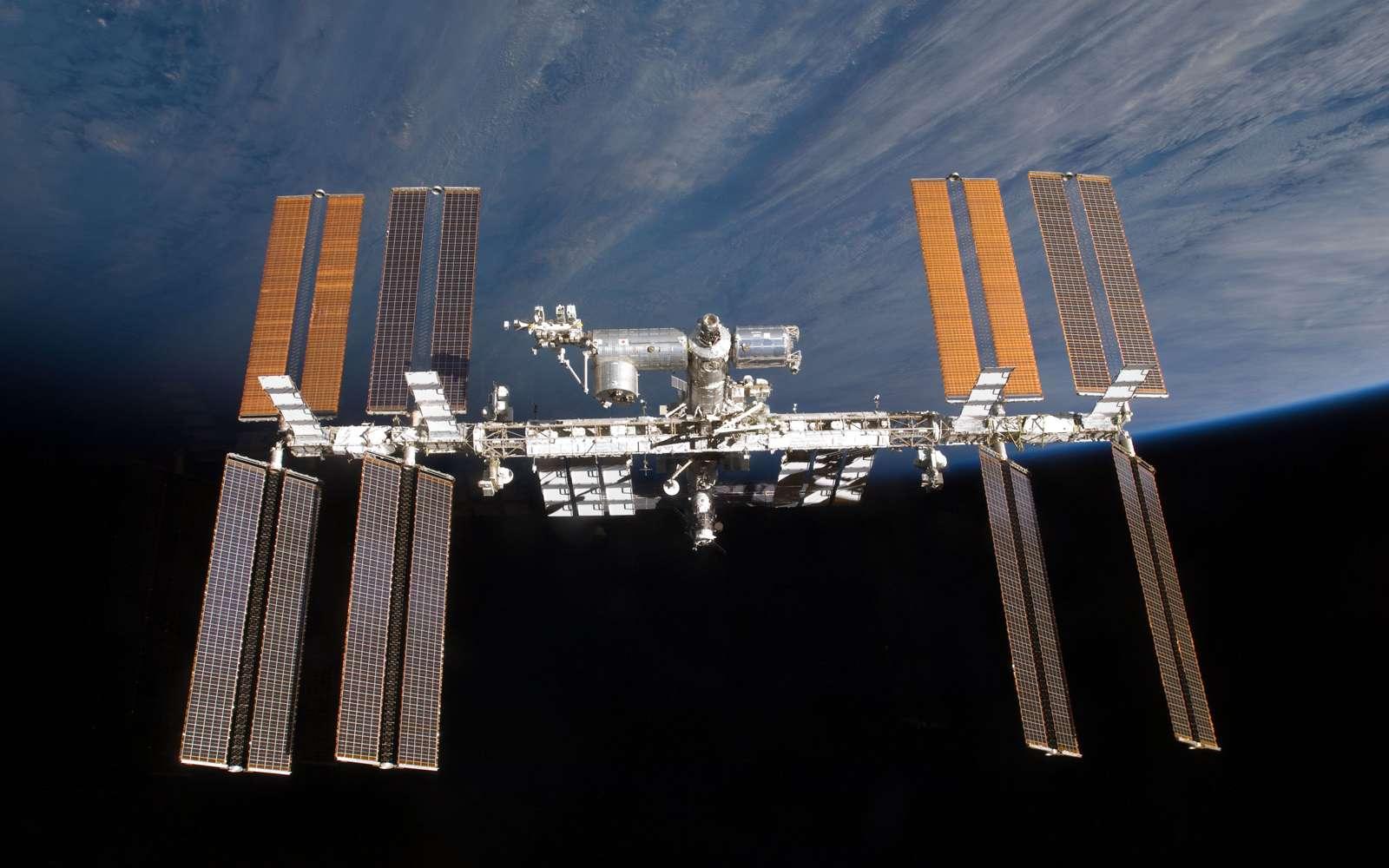 Les partenaires de la Station sont d'accord pour poursuivre son exploitation au-delà de 2016 avec le souci d'augmenter le retour scientifique et de réduire les coûts d'utilisation. Crédit Nasa