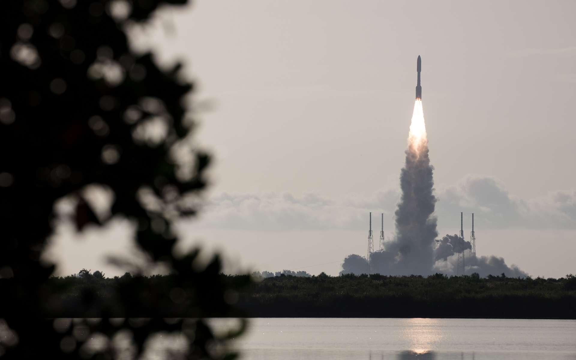 Lanceur Atlas V, le 30 juillet 2020 à 13 h 50, heure de Paris. Encapsulés à son sommet, Perseverance et Ingenuity. © Nasa