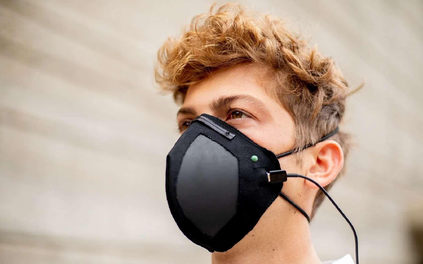 Un masque de protection à base de graphène, parcouru par un courant électrique © LIGC Applications