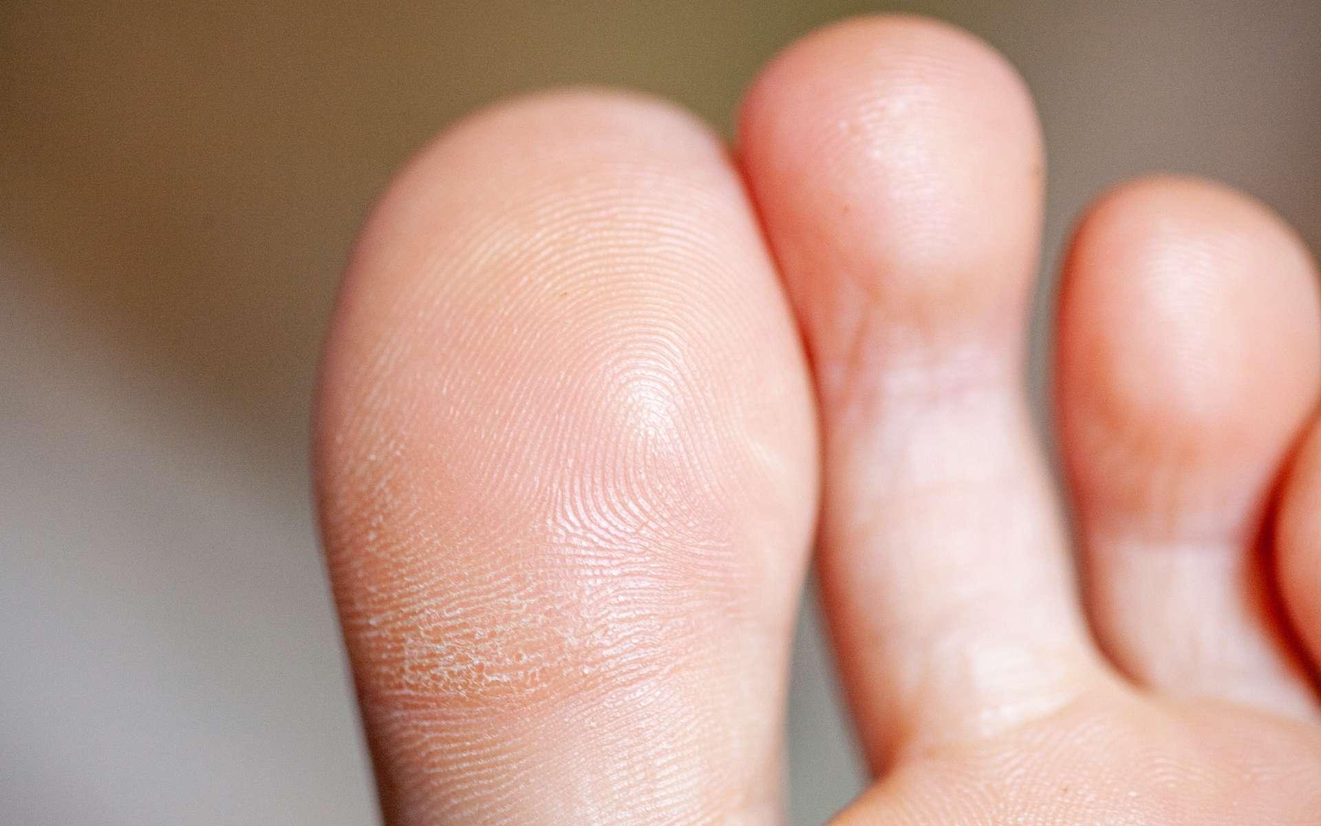 Comme les empreintes digitales de la main, celles des pieds sont uniques. © mironovm, Adobe Stock