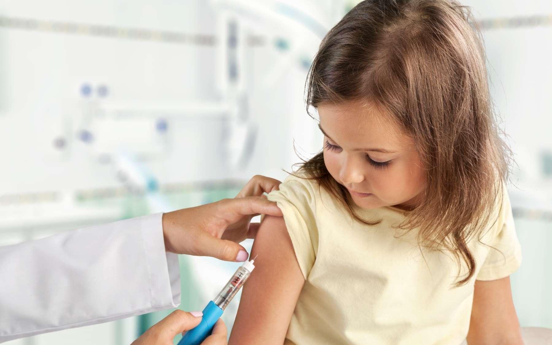 Vacciner les enfants : bonne ou mauvaise idée ? © BillionPhotos.com, Adobe Stock