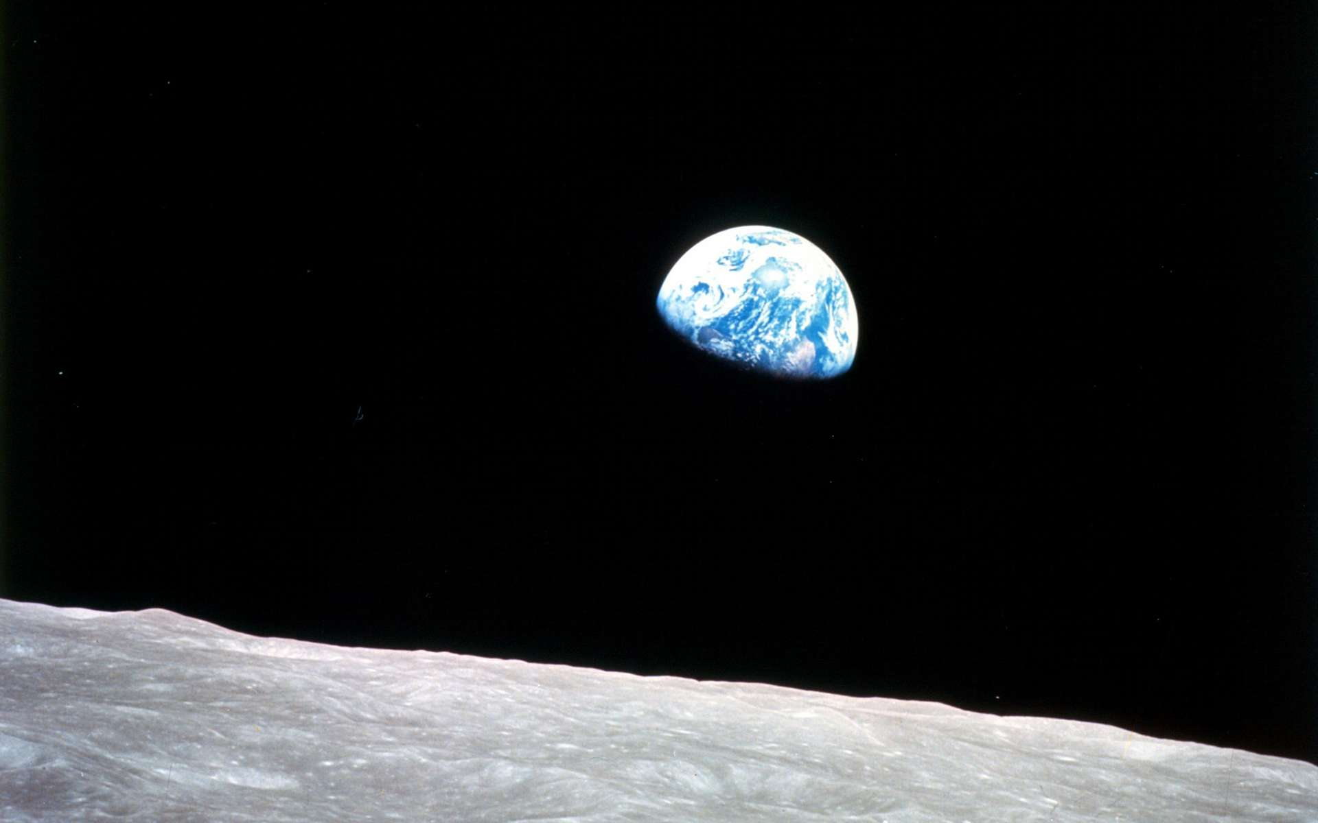 Le célèbre lever de Terre photographié par les astronautes d'Apollo 8 (décembre 1968). © Nasa