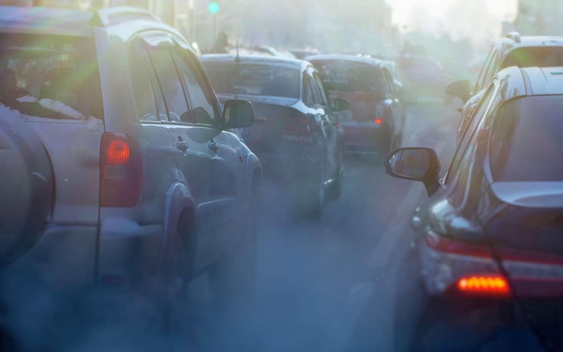 L'Anses recommande d'encourager la réduction du trafic, à travers notamment le renforcement des autres modes de mobilité, dans le cadre des politiques d'amélioration de la qualité de l'air. © Nady, Fotolia