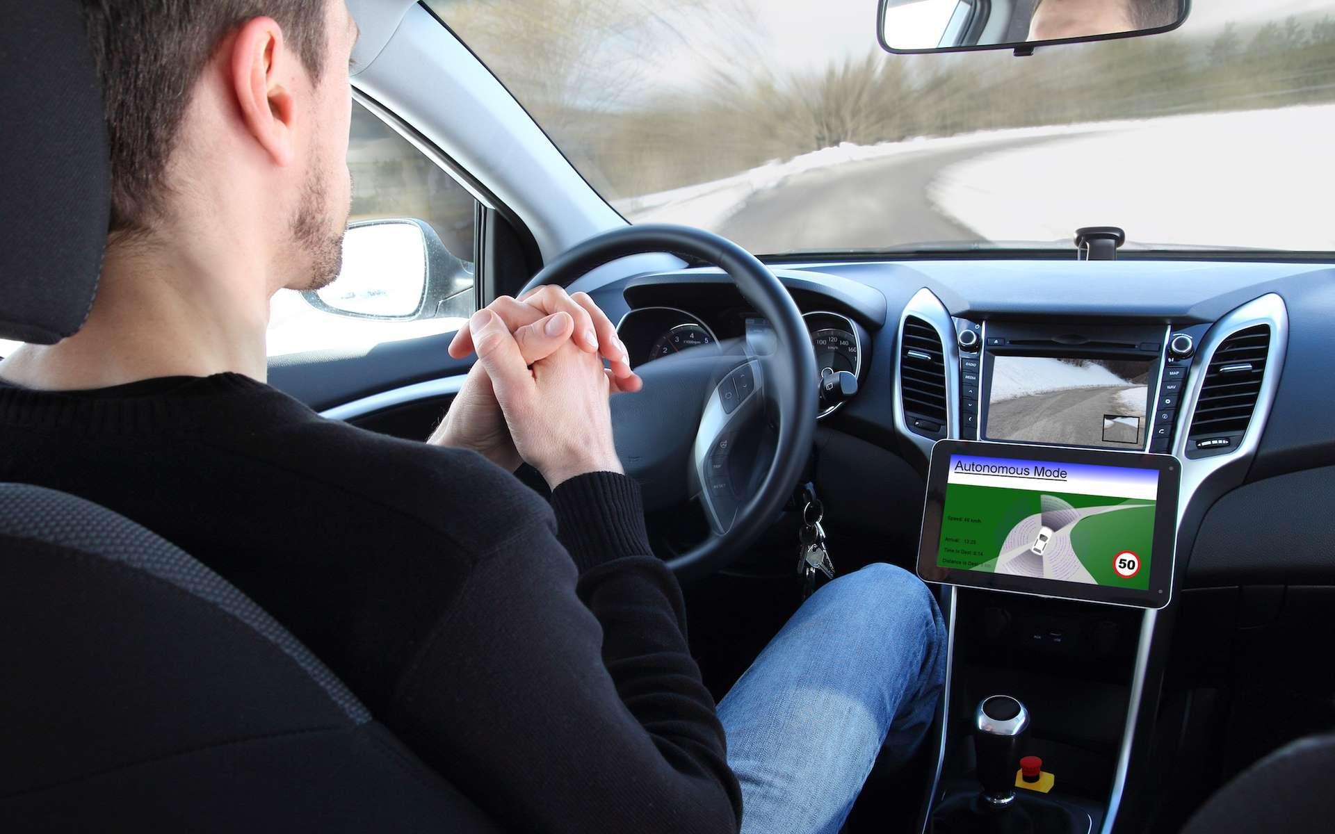 Dans la circulation, les voitures autonomes devront prendre des décisions. Certaines engageront la vie des personnes, à bord ou non. Les critères de choix dans ces situations devront être acceptés par les usagers. Ce qui ne sera peut-être pas simple. © Riopatuca, shutterstock.com