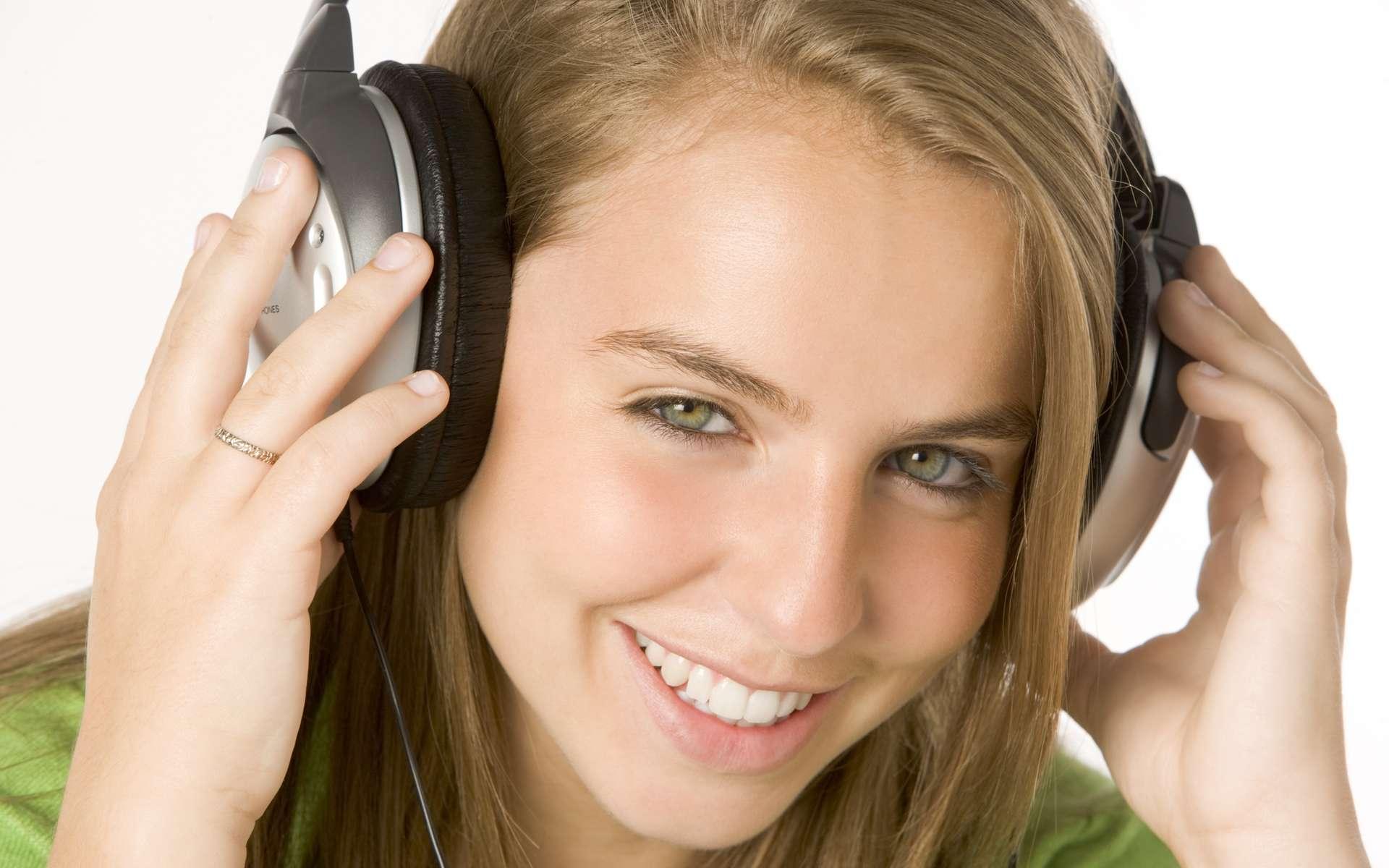 De manière générale, en cas de bruit, protégez votre audition par un casque ou des bouchons d'oreilles. © Phovoir