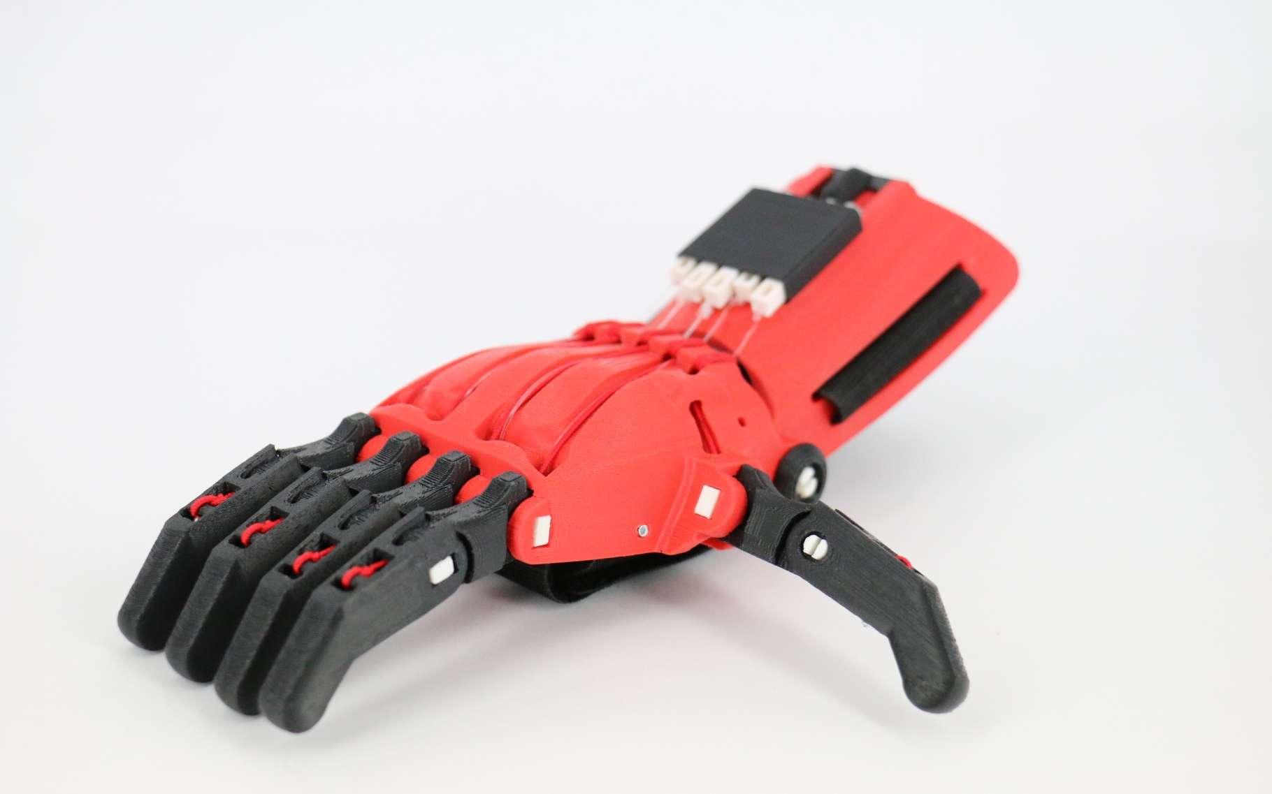 Des mains imprimées en 3D, gratuites, pour des enfants handicapés. © Fotolia
