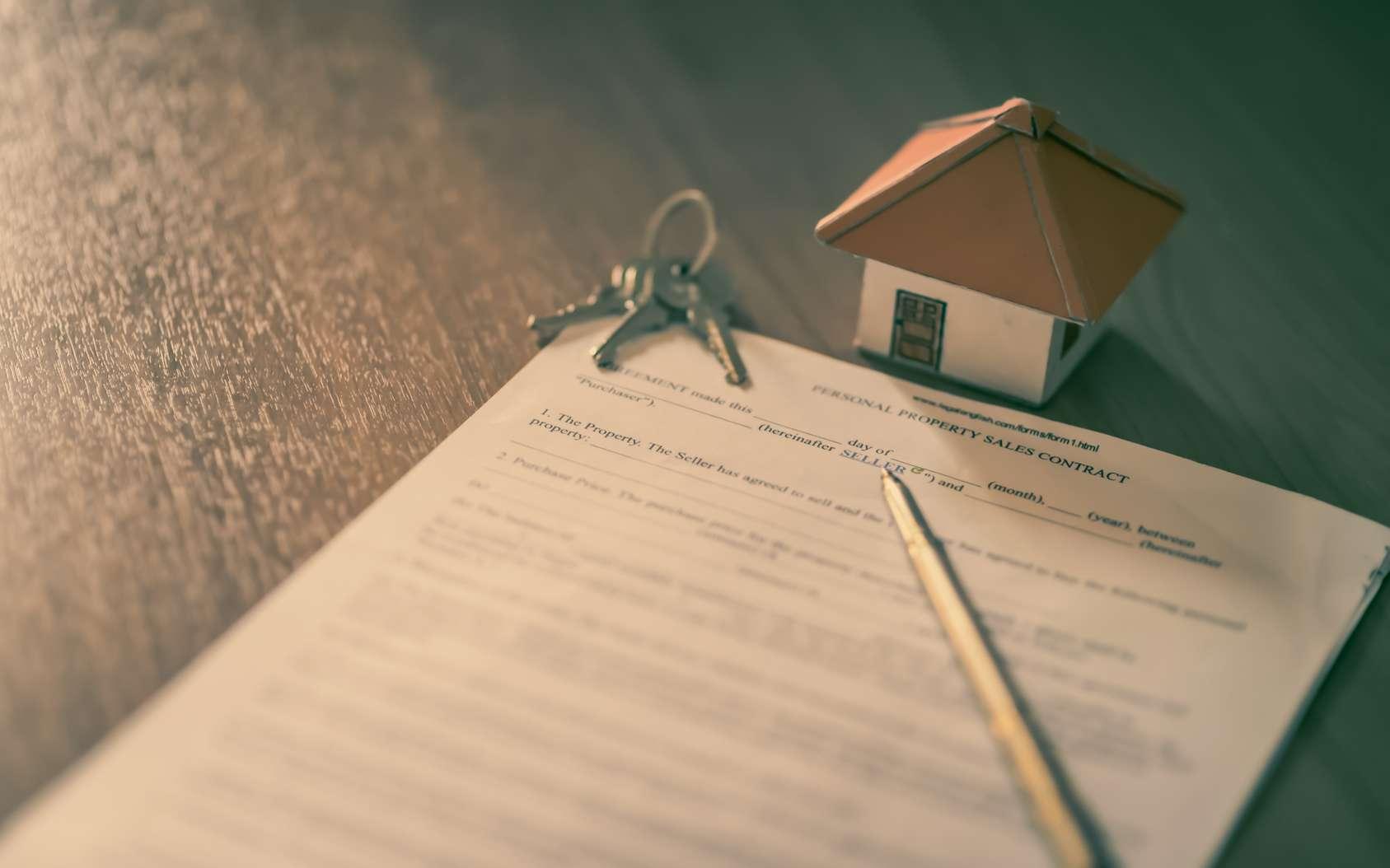 Pour un achat immobilier en toute sécurité, le vendeur a obligation de fournir certaines informations sur l'état du bien à l'acquéreur à travers le dossier de diagnostic technique (DDT). © Ekkapon, Fotolia