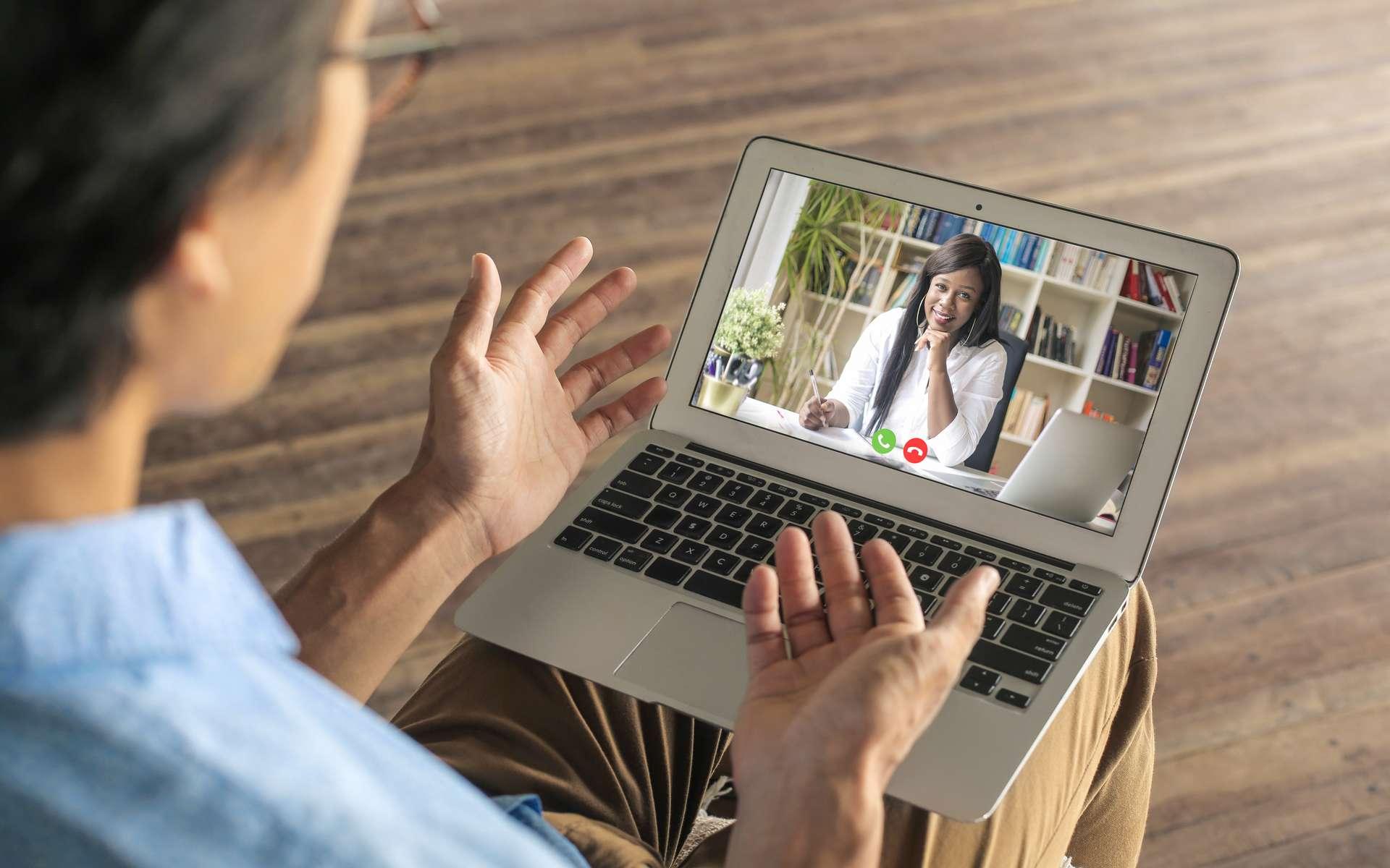 Avec les salons de l'emploi en ligne, les rencontres avec les recruteurs se feront par visioconférence. © merla, Adobe Stock