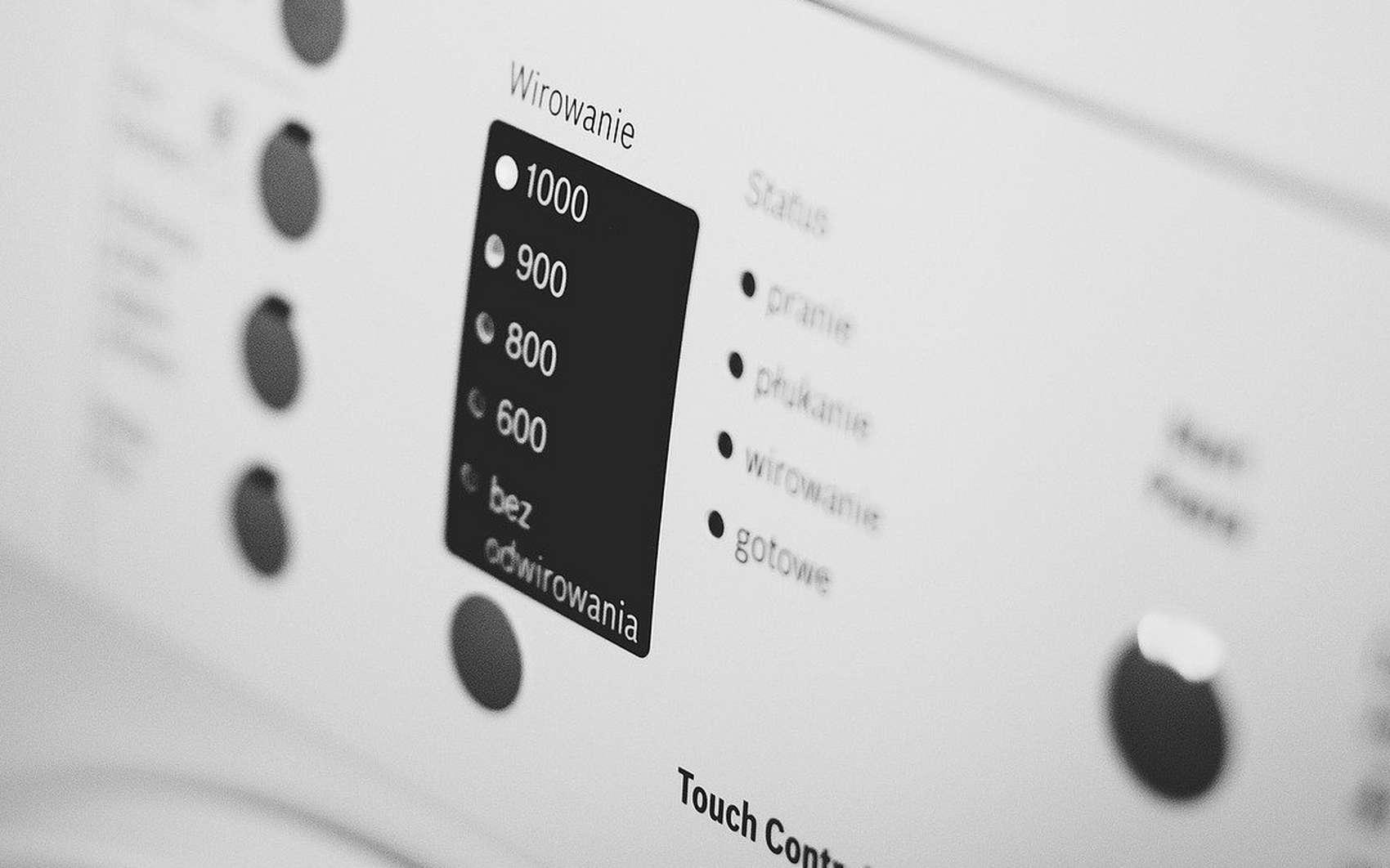 Les lave-linges modernes intègrent des fonctionnalités de plus en plus nombreuses. © Pixabay