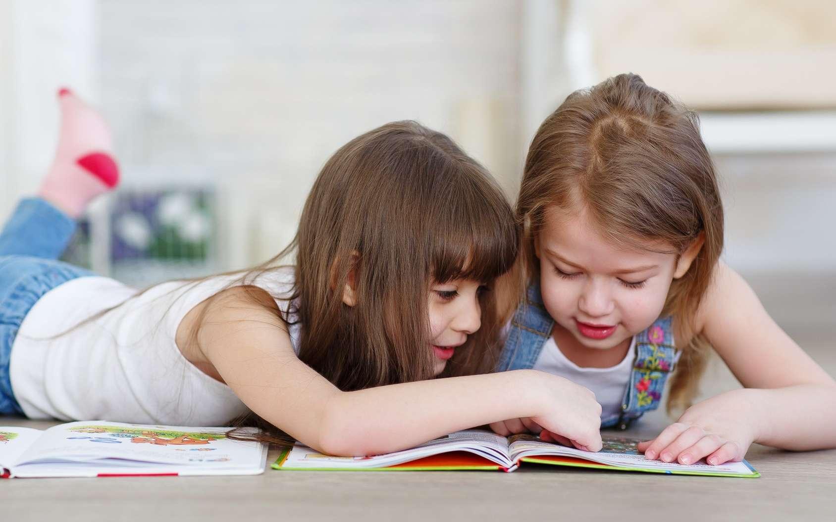 L'apprentissage de la lecture utilise la plasticité cérébrale. © nskfoto, Fotolia