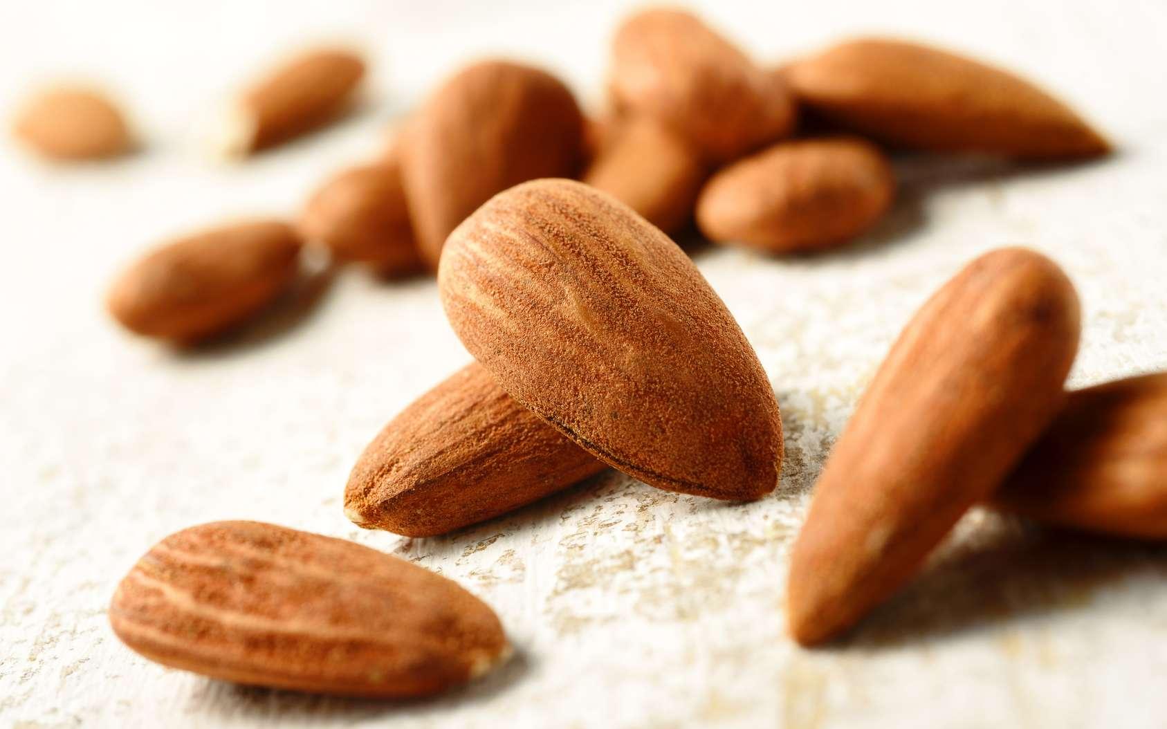 Les amandes sèches sont très utilisées en pâtisserie. © MIGUEL GARCIA SAAVED, fotolia