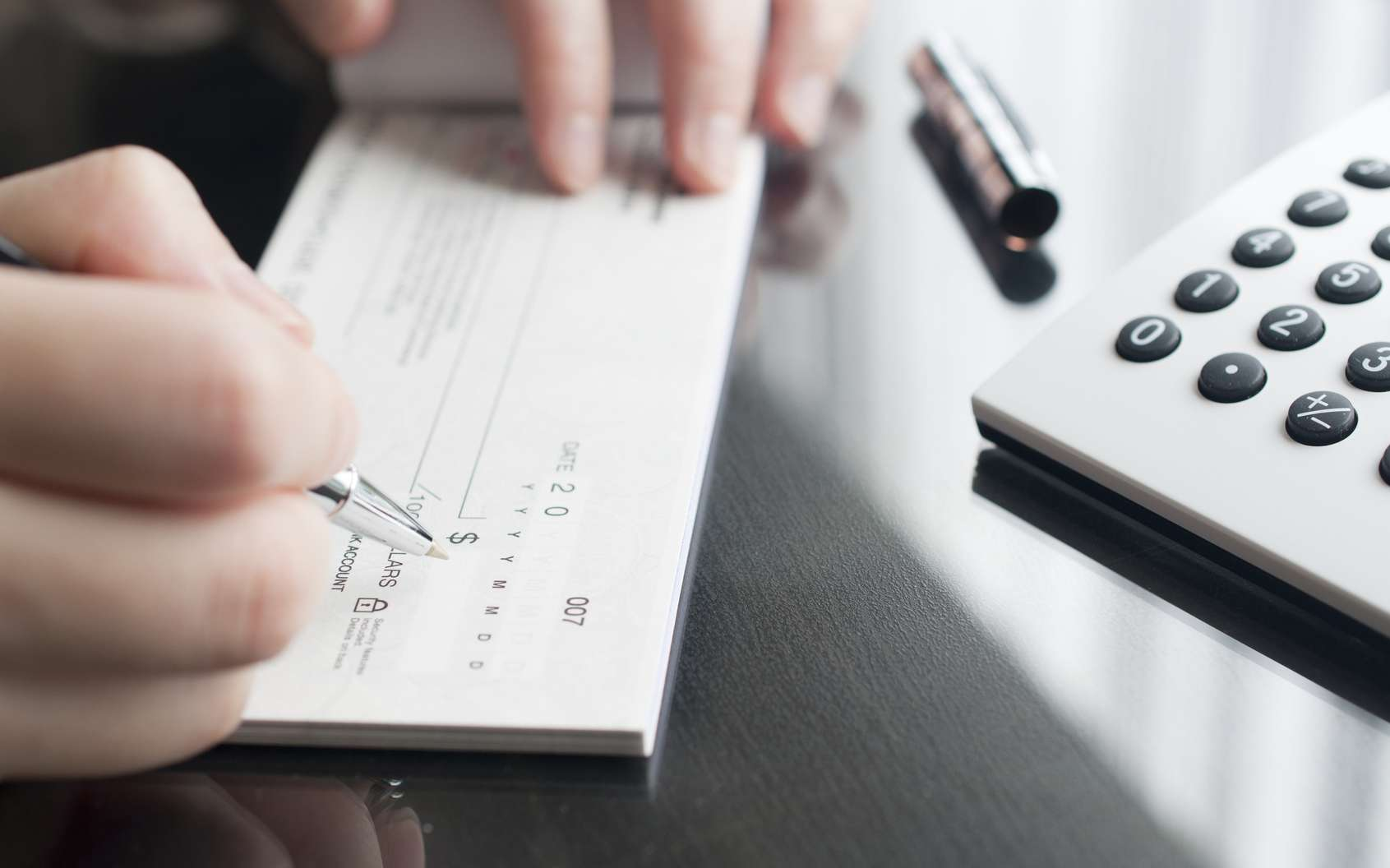La banque doit informer la caution dès le premier impayé du débiteur. © Fotolia