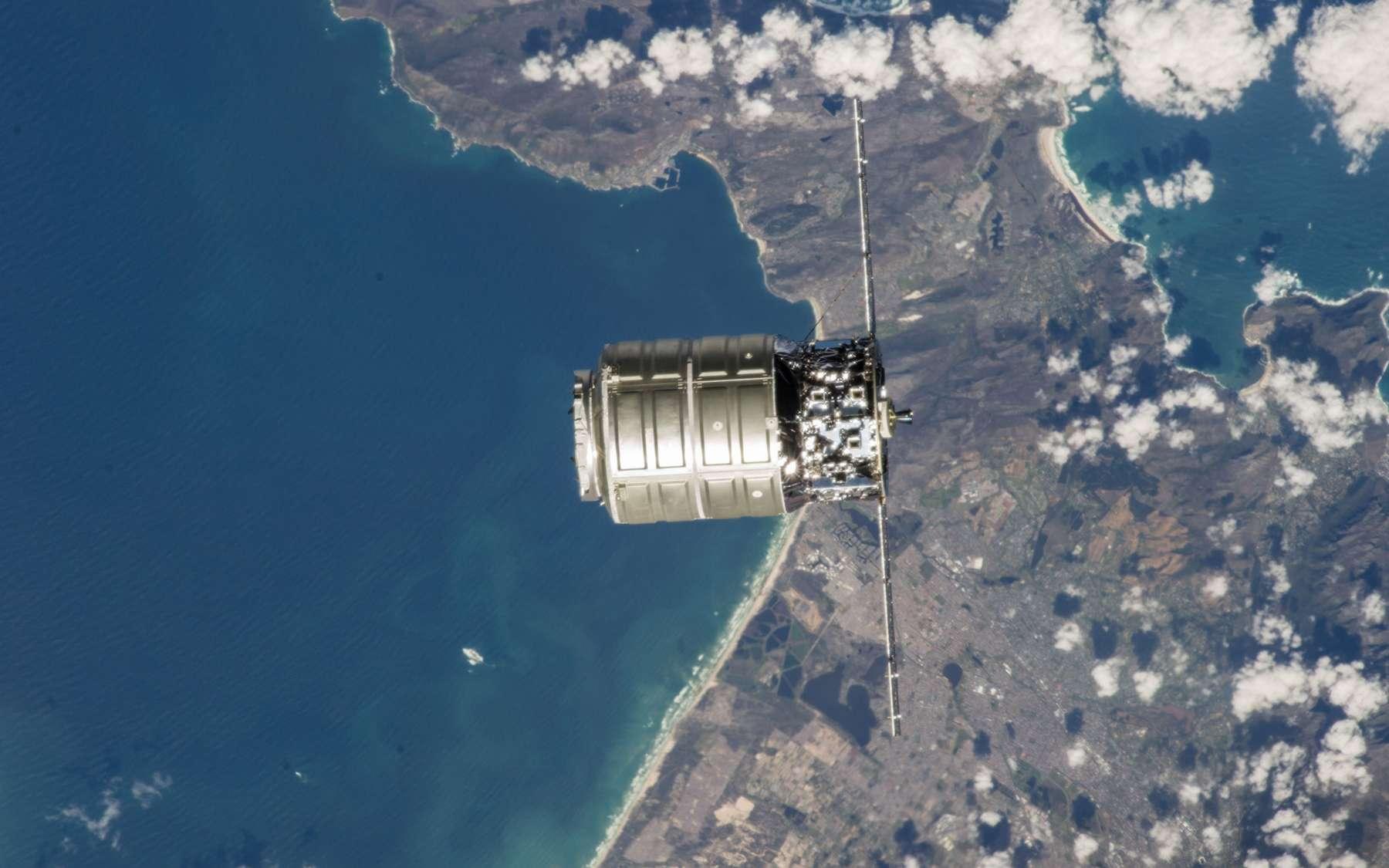 Cette première mission du système de transport d'Orbital Sciences à destination de l'ISS a ravi la Nasa. L'agence spatiale américaine peut donc désormais compter sur ses services et ceux de SpaceX pour ravitailler la Station. © Nasa