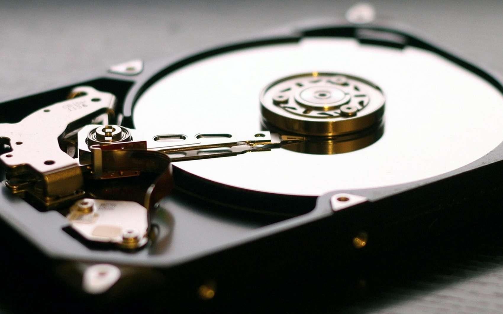 On peut partitionner des périphériques de stockage comme les disques HDD, les disques SSD et les clés USB. © Pixabay.com