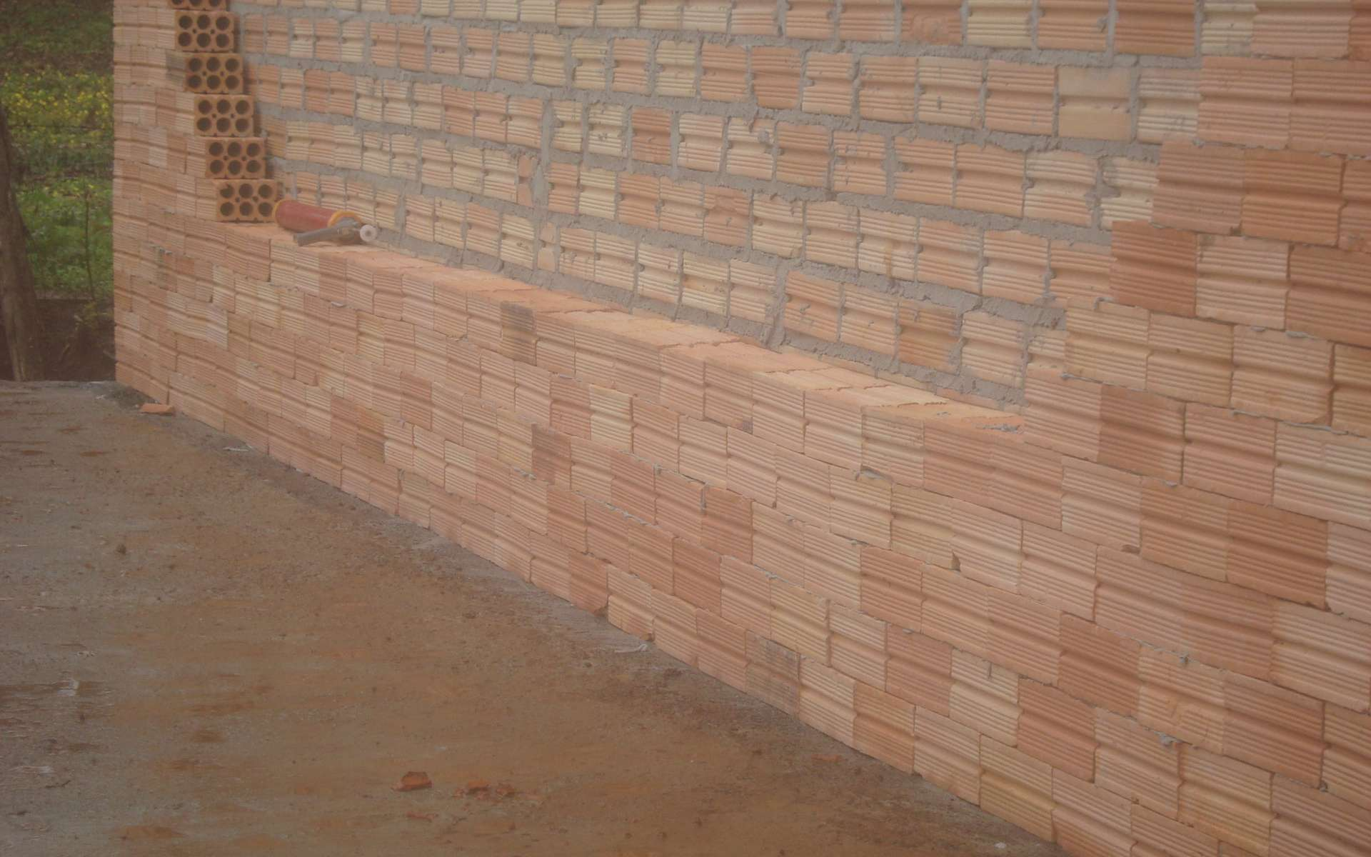 Avant d'abattre une cloison, il faut vérifier que ce n'est pas un mur porteur. © Non connu, Wikimedia CC BY-SA 3.0