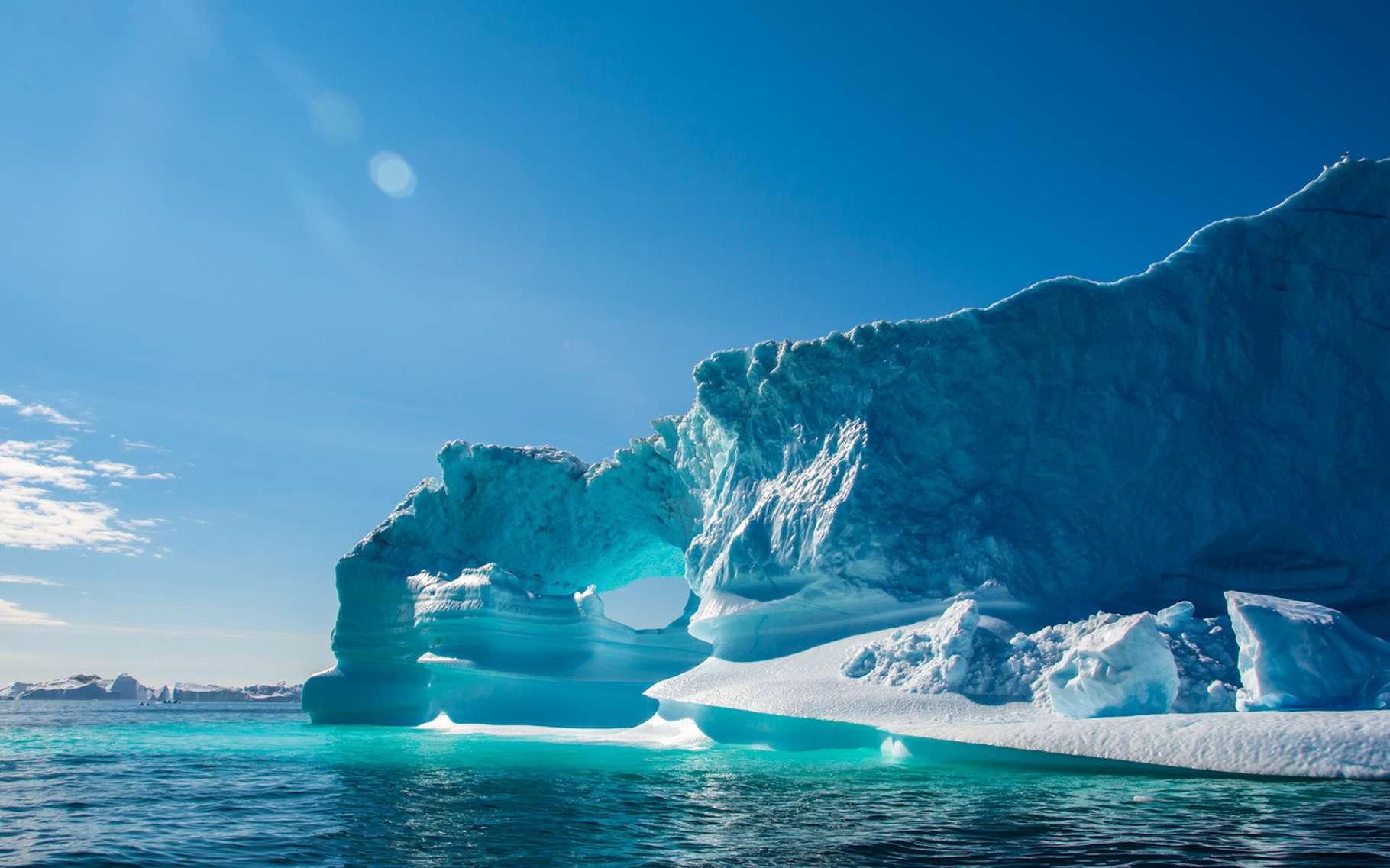 Selon des chercheurs, la glace du Groenland fond aujourd'hui à une vitesse qui a de quoi « faire peur ». © mikhail79spb, Fotolia