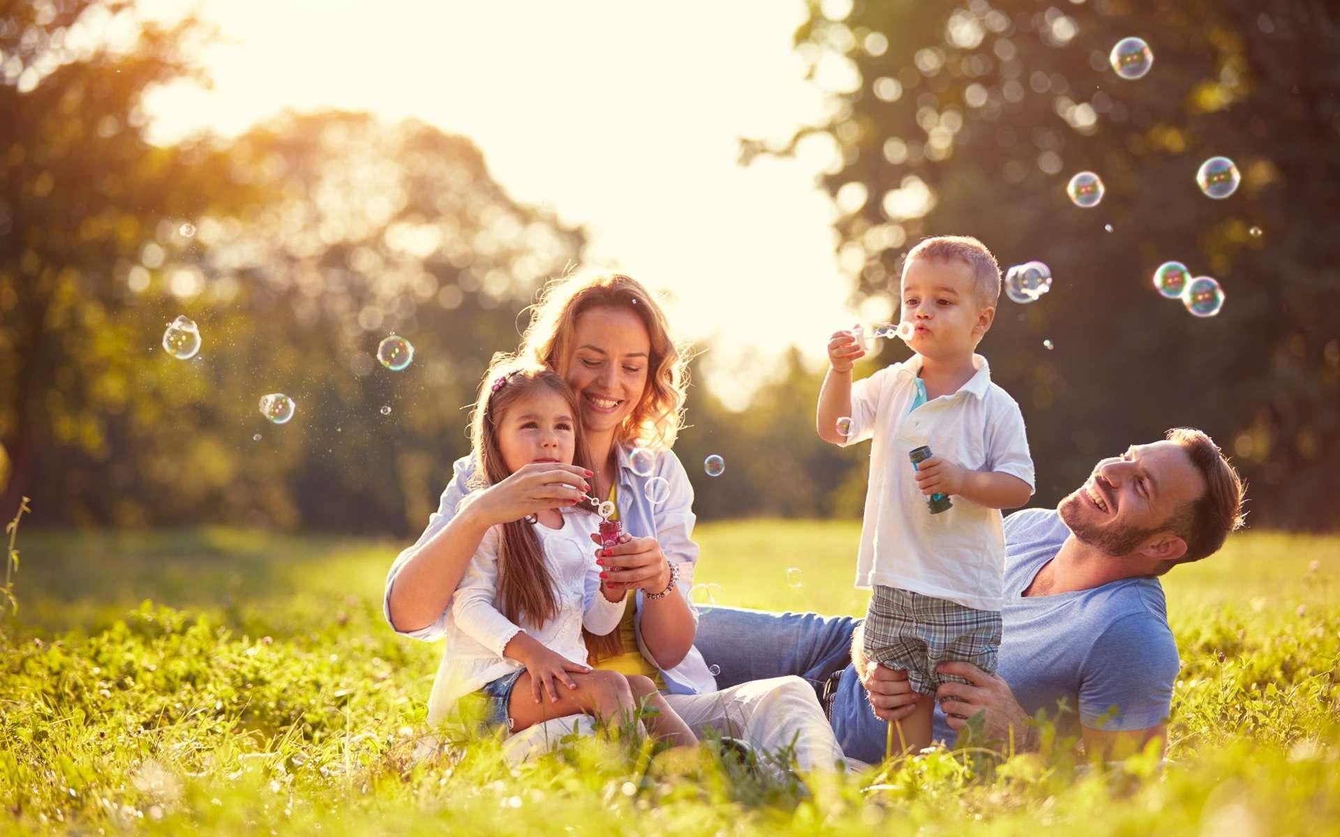 Pourquoi choisir une assurance santé en ligne ? © luckybusiness, Adobe Stock