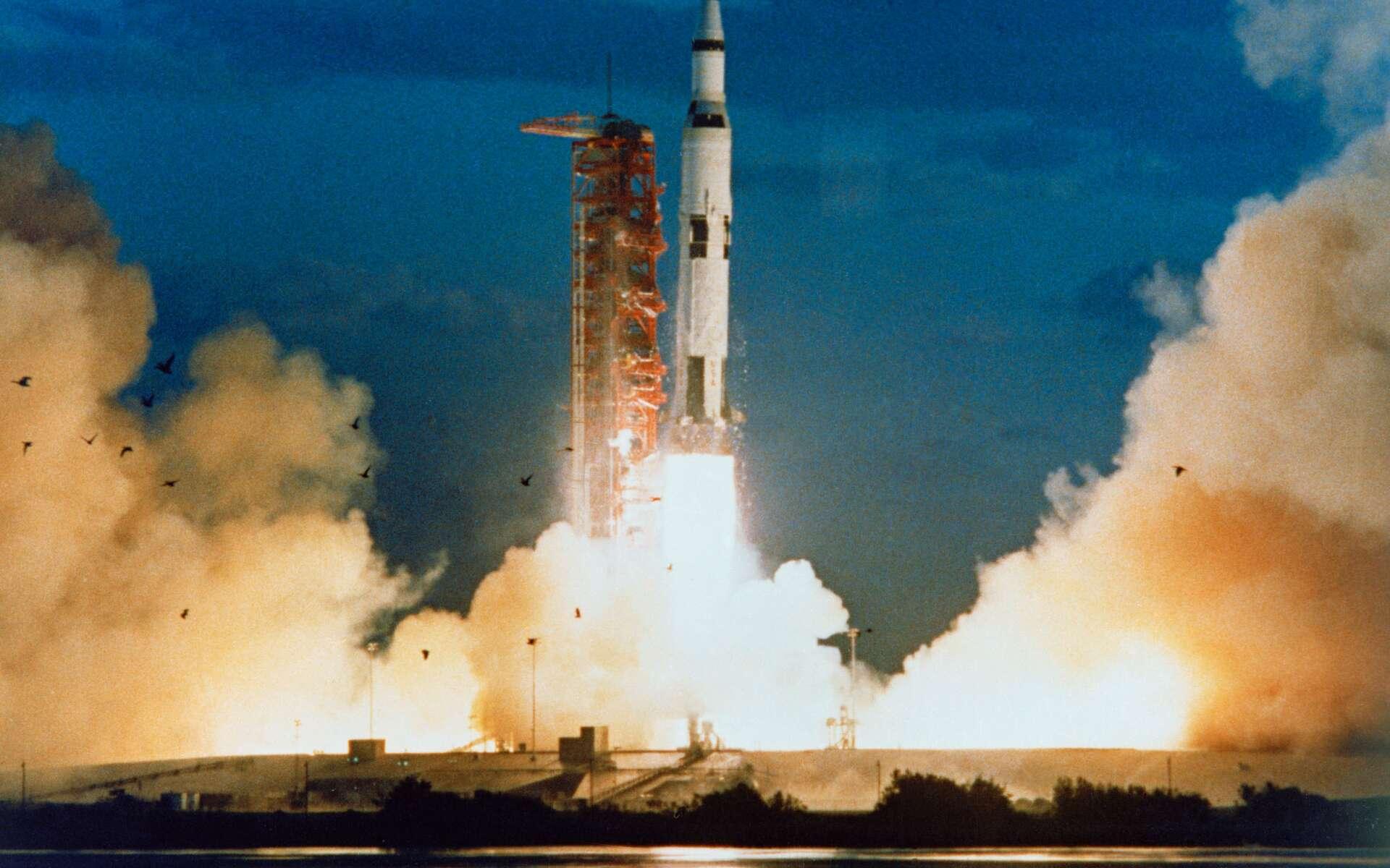 Décollage de Saturn V pour la mission Apollo 4. © Nasa, Domaine public
