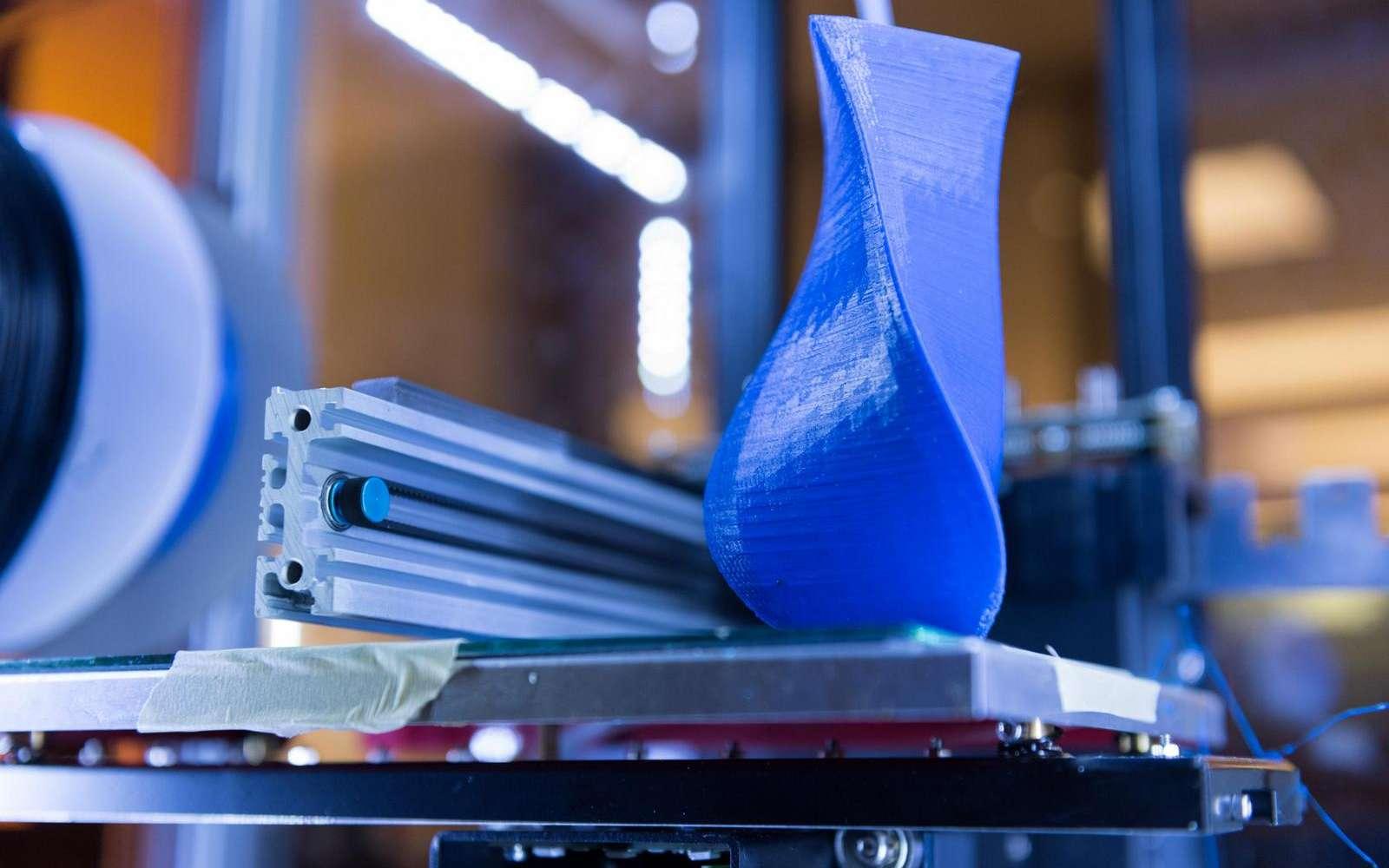 L'impression 3D à base de filaments plastiques produit des émissions de particules qui, pour beaucoup, peuvent présenter un danger pour la santé. © Rob Felt