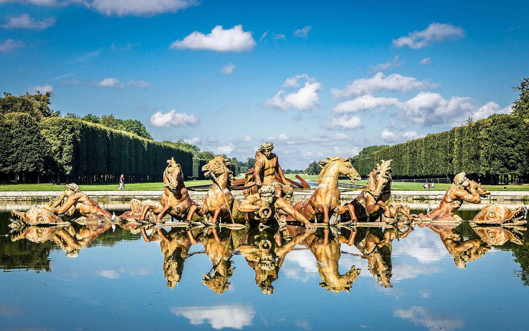 Le Bassin d'Apollon du château de Versailles représente le dieu grec sortant de l'eau dans un chariot tiré par quatre chevaux. © gags9999, Wikimedia Commons, CC by 2.0