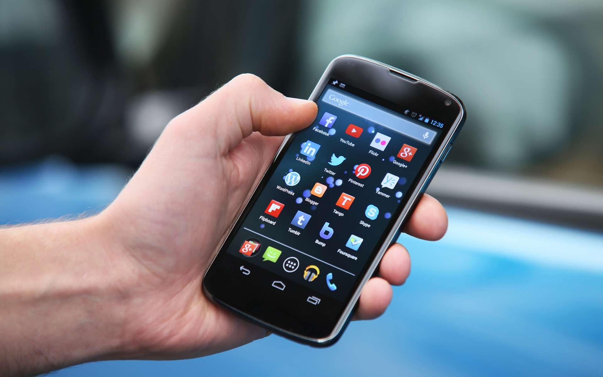 Selon les statistiques de Google sur la base installée des différentes versions d'Android, 60 % des terminaux en circulation seraient concernés par la faille de sécurité que le géant américain dit ne pas pouvoir corriger pour des raisons techniques. © Highways Agency, Flickr CC by 2.0