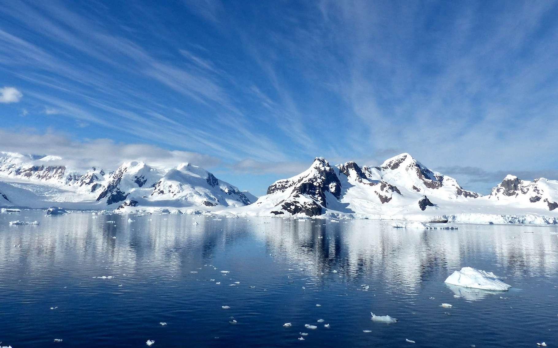 Des chercheurs ont découvert la preuve d'une activité volcanique sous le glacier de l'île du Pin. © jcrane, Pixabay, CC0 Creative Commons