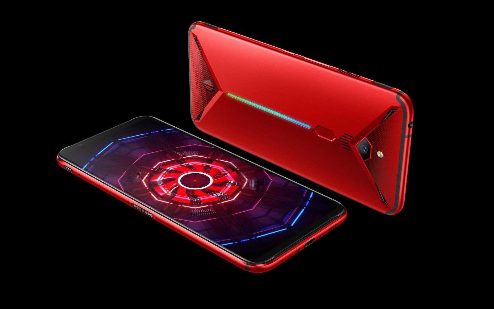Un look ravageur, un équipement dernier cri, deux systèmes de refroidissement, un prix raisonnable... Ce smartphone a tout pour séduire les joueurs. © Nubia