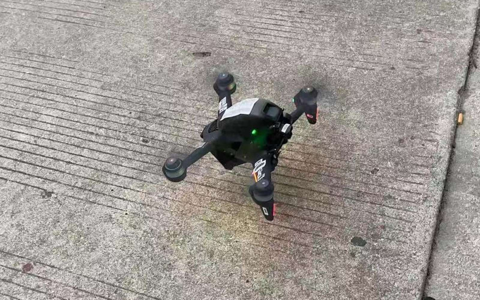 Voici les premières images d'un drone DJI conçu pour les courses. Qu'un constructeur de drone se lance sur ce secteur est une première. © @OsitaLV