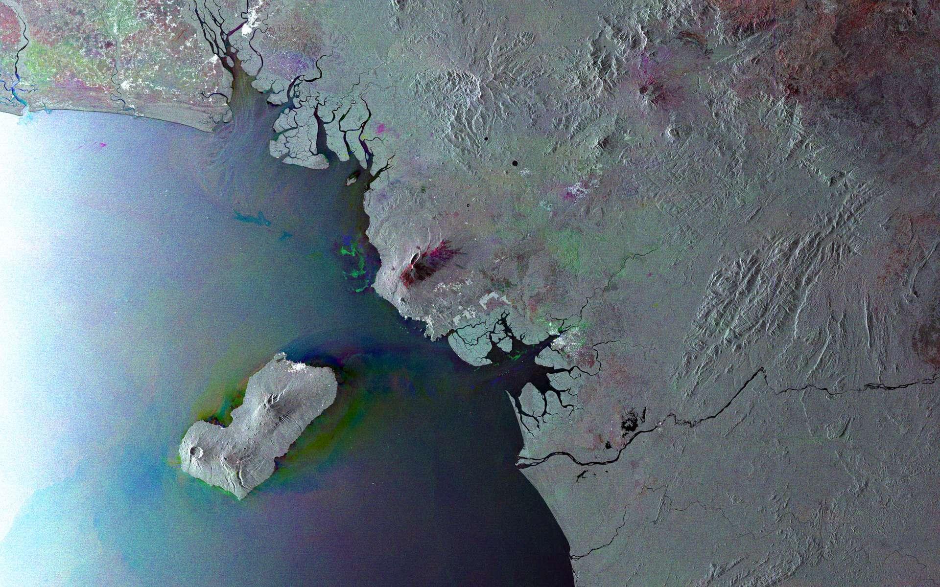 Le golfe de Guinée vu depuis l'espace par le satellite Envisat. Cette image est une compilation de trois clichés pris entre février et avril de cette année. © Esa