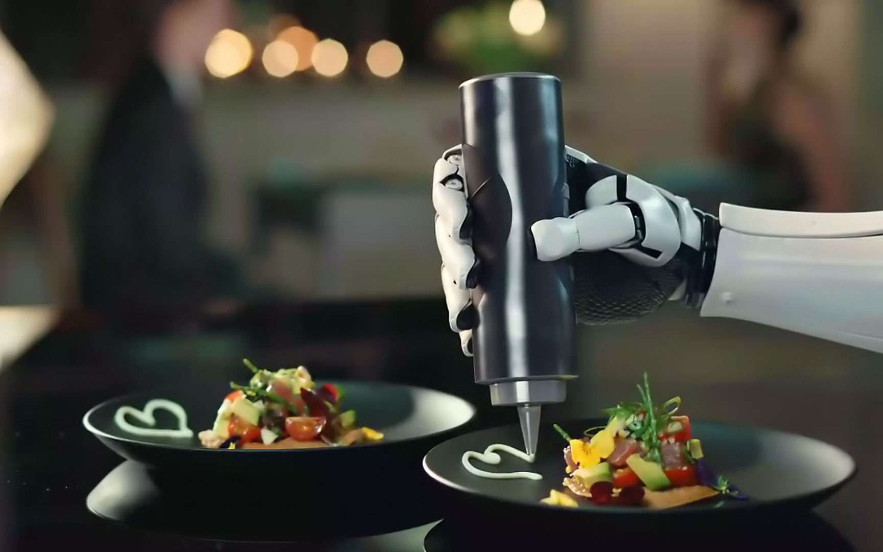 Video Robotic Kitchen Un Robot Cuisinier Qui Met La Main A La Pate