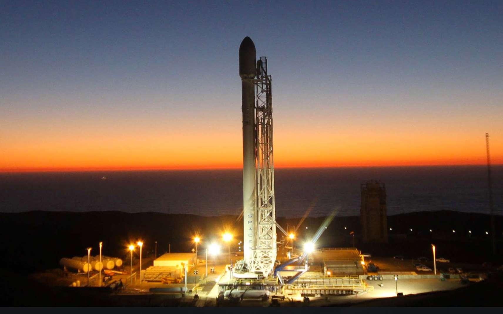 Avec une cinquantaine de satellites à lancer, le calendrier de SpaceX est très chargé. Ce nouveau lanceur, s'il tient ses promesses, sera utilisé pour lancer deux satellites en orbite de transfert géostationnaire (GTO) en 2013, et au moins cinq en 2014. © SpaceX