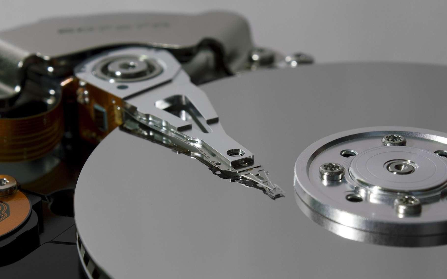 Le recours aux skyrmions pourrait réduire drastiquement la taille des disques durs de nos ordinateurs. © rock_rock, Pixabay, CC0 Creative Commons