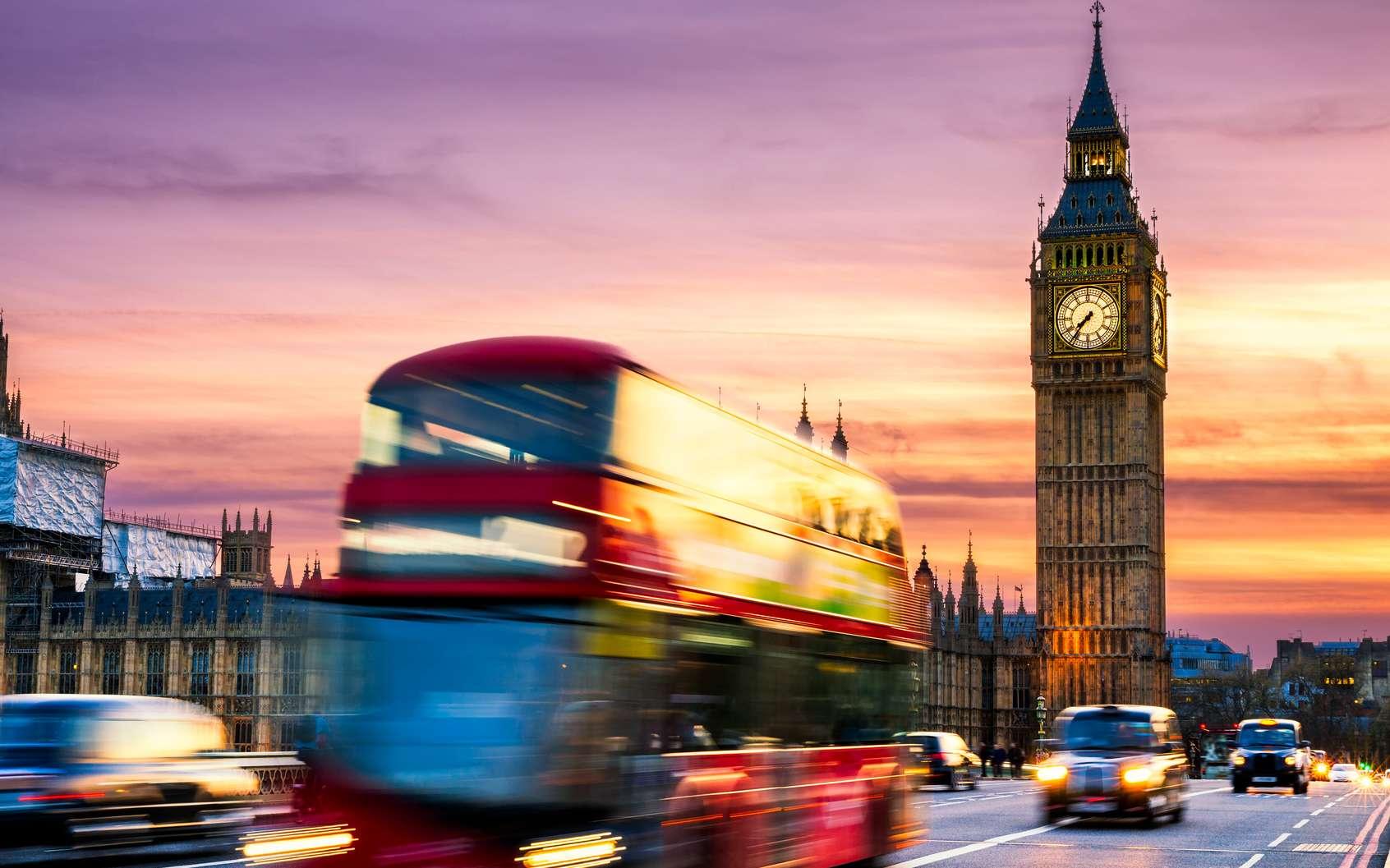 Big Ben à Londres, l'emblématique tour de l'Horloge du palais de Westminster. © daliu, fotolia