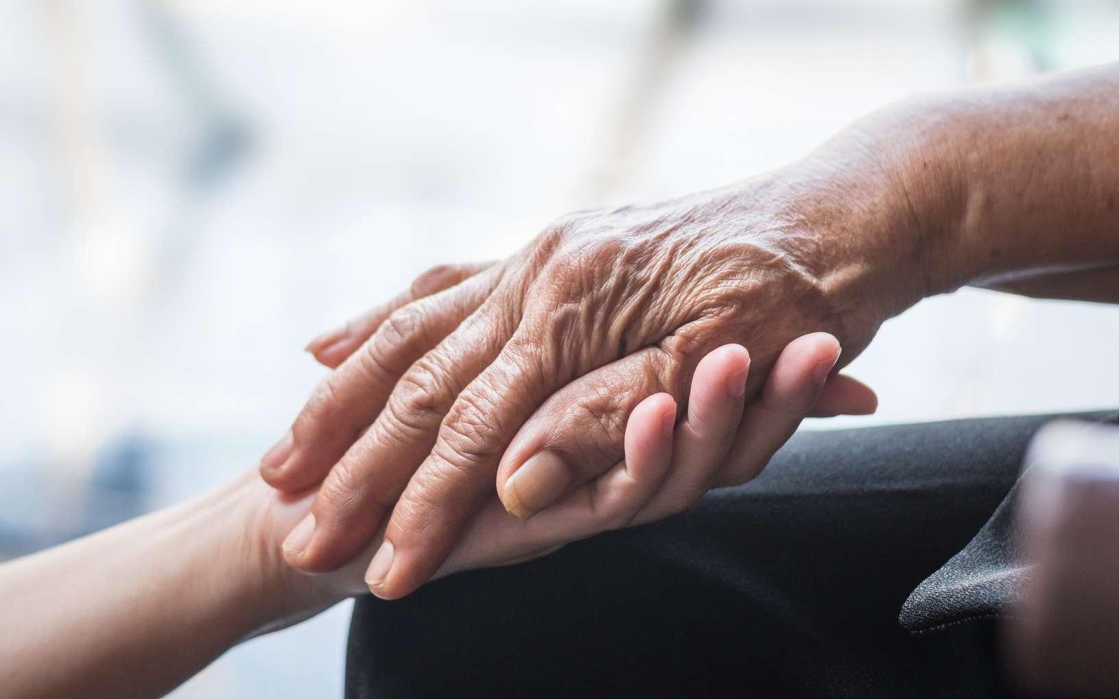Le risque de Parkinson augmente avec l'âge. © Chinnapong, Fotolia