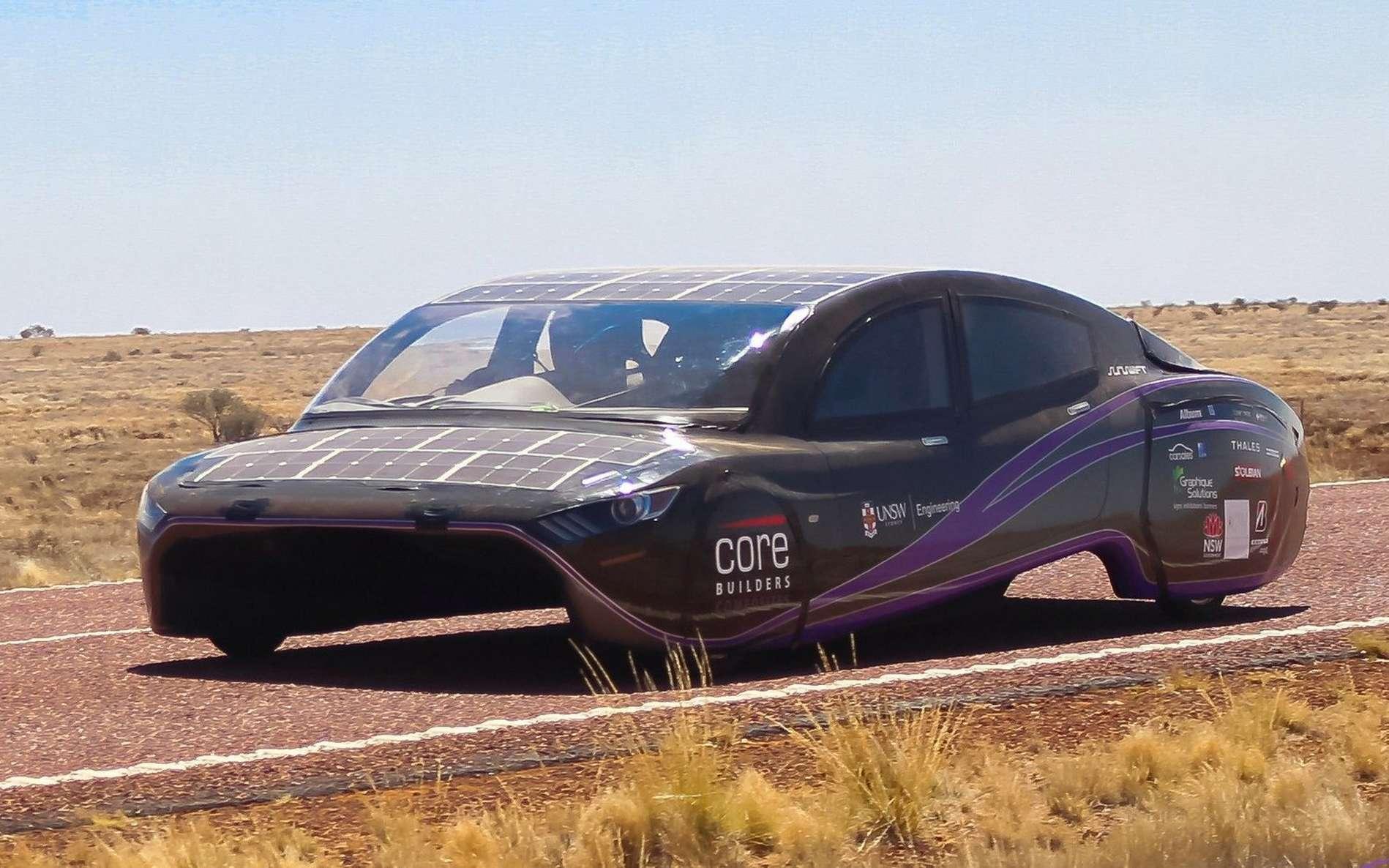 La voiture solaire Violet de l'équipe Sunswift de l'université de Nouvelle-Galles du Sud en Australie. © UNSW