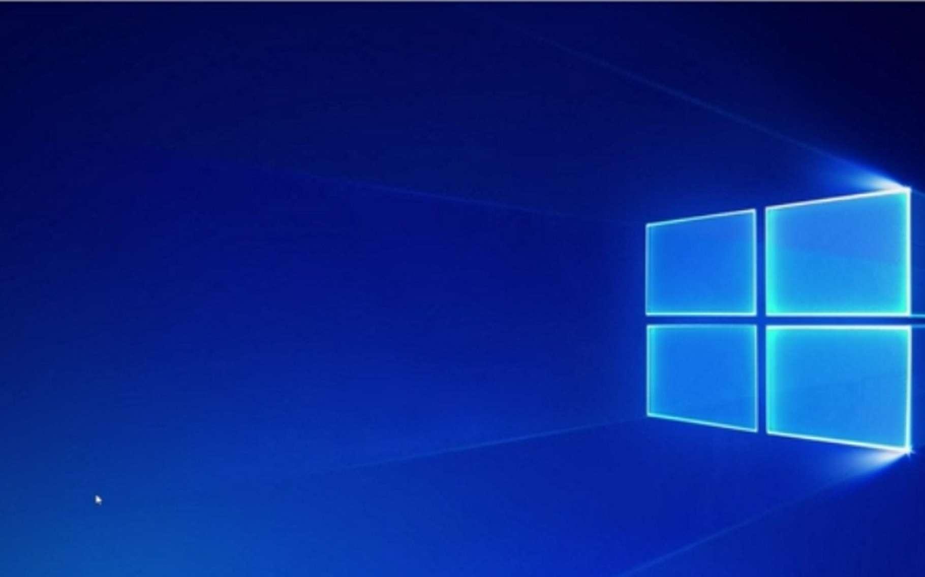 D'apparence, Windows 10 S est globalement identique aux autres versions de Windows 10. La seule petite différence notable est ce logo Windows sur l'arrière-plan du Bureau qui apparaît lors de la première mise en service. © Microsoft
