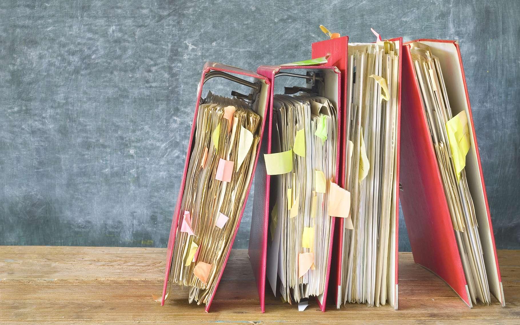 Il n'est jamais facile de faire le tri dans ses dossiers, qu'ils soient dans des classeurs ou sur un ordinateur ! Voici une astuce pour renommer des fichiers en masse sur Windows. © Thomas Bethge, Shutterstock