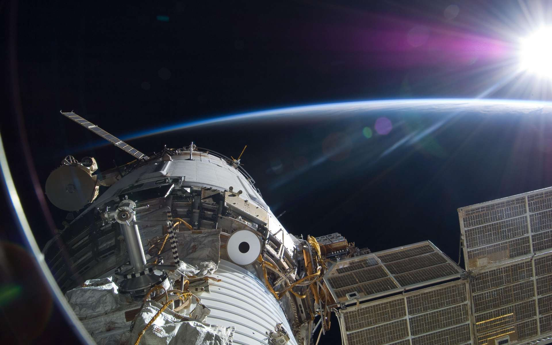 Les occupants de l'ISS ne sont pas si loin... © Nasa