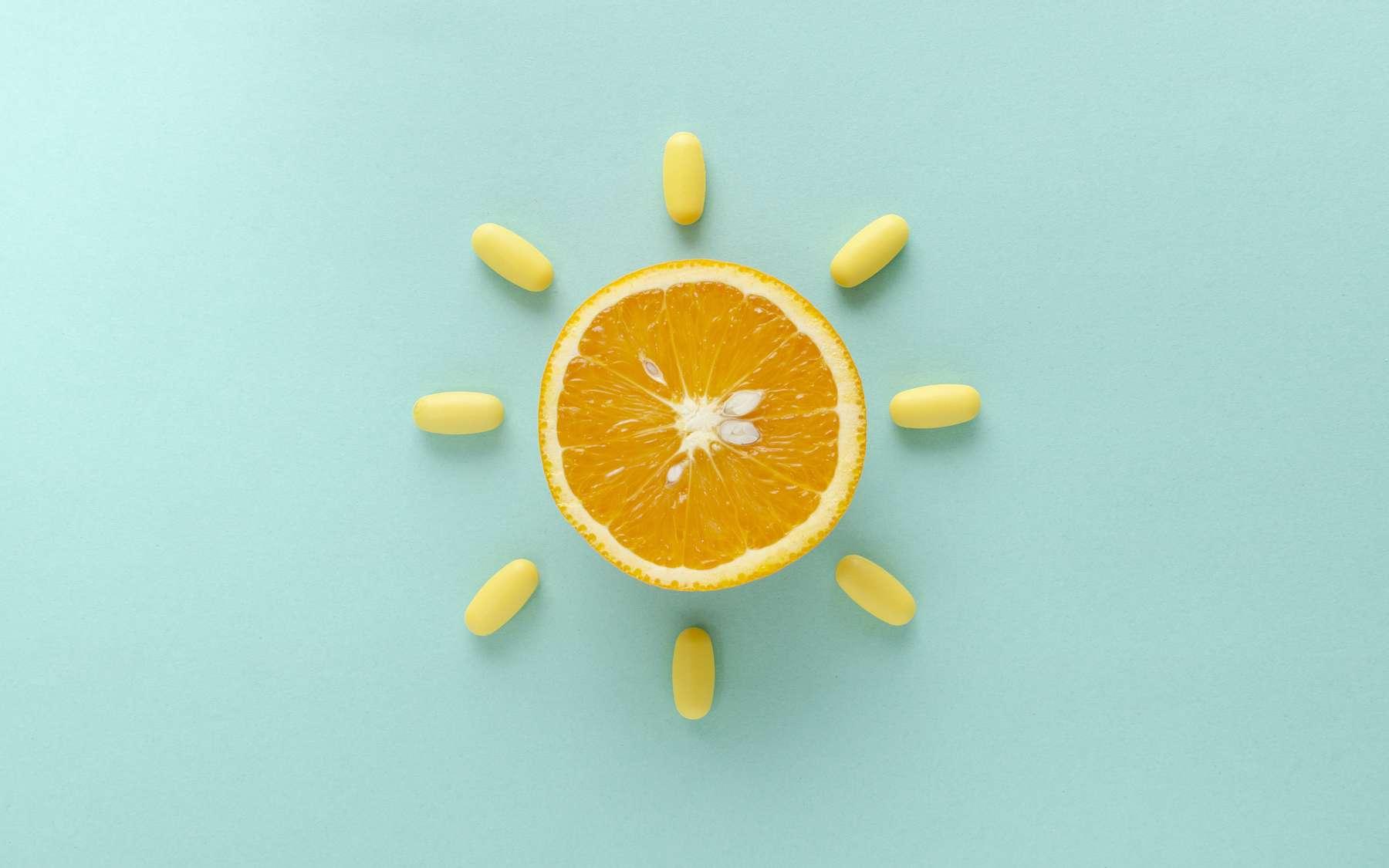 La vitamine C se trouve naturellement dans les agrumes. © uaPieceofCake, Adobe Stock