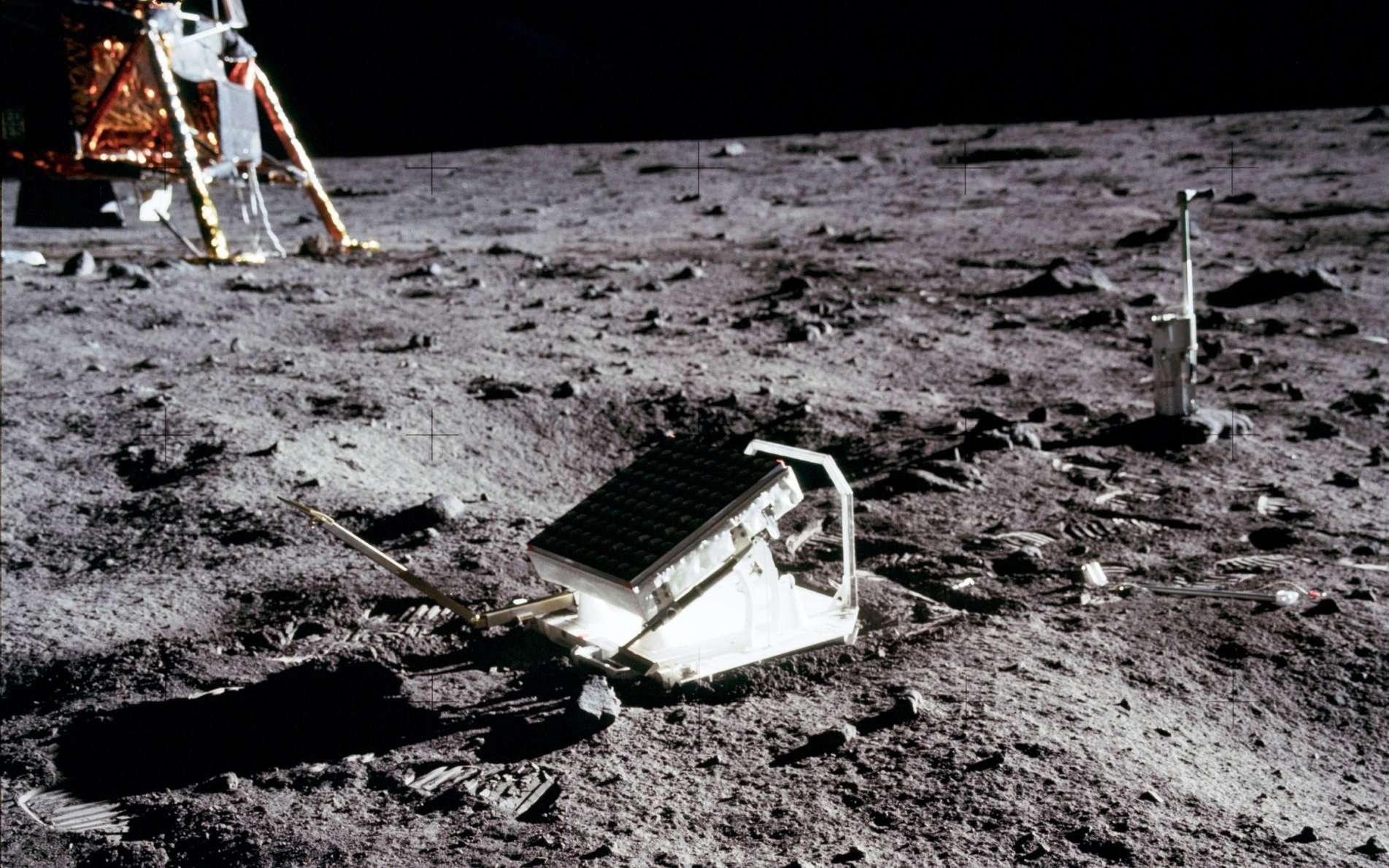 Le rétroréflecteur déposé par la mission Apollo 11 sur la Lune. © Nasa